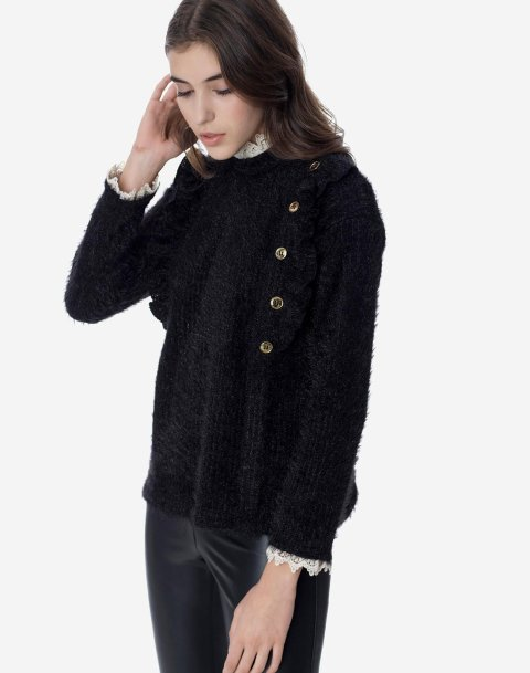Sweater with buttons and lace