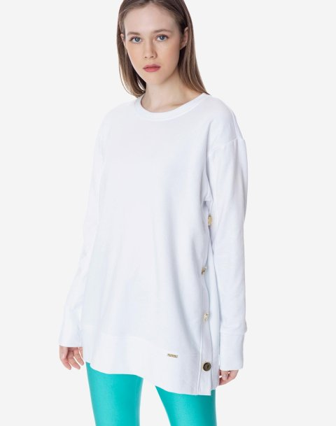 Sweatshirt with golden buttons