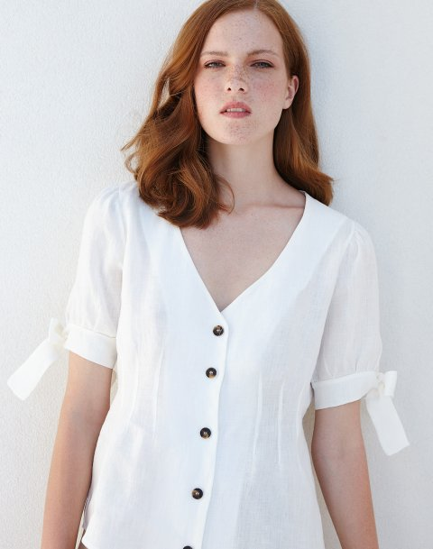 Λινή μπλούζα με κουμπιά