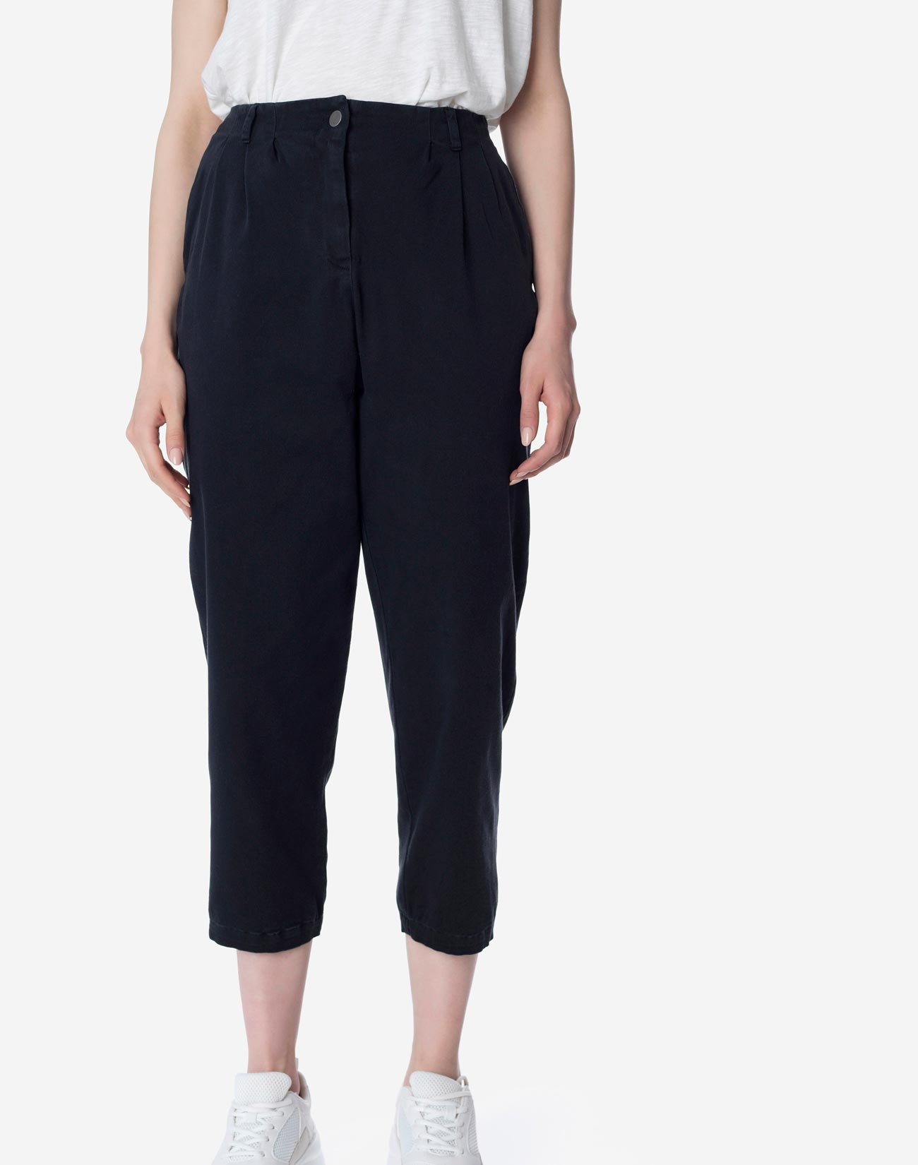 High-waist baggy trousers