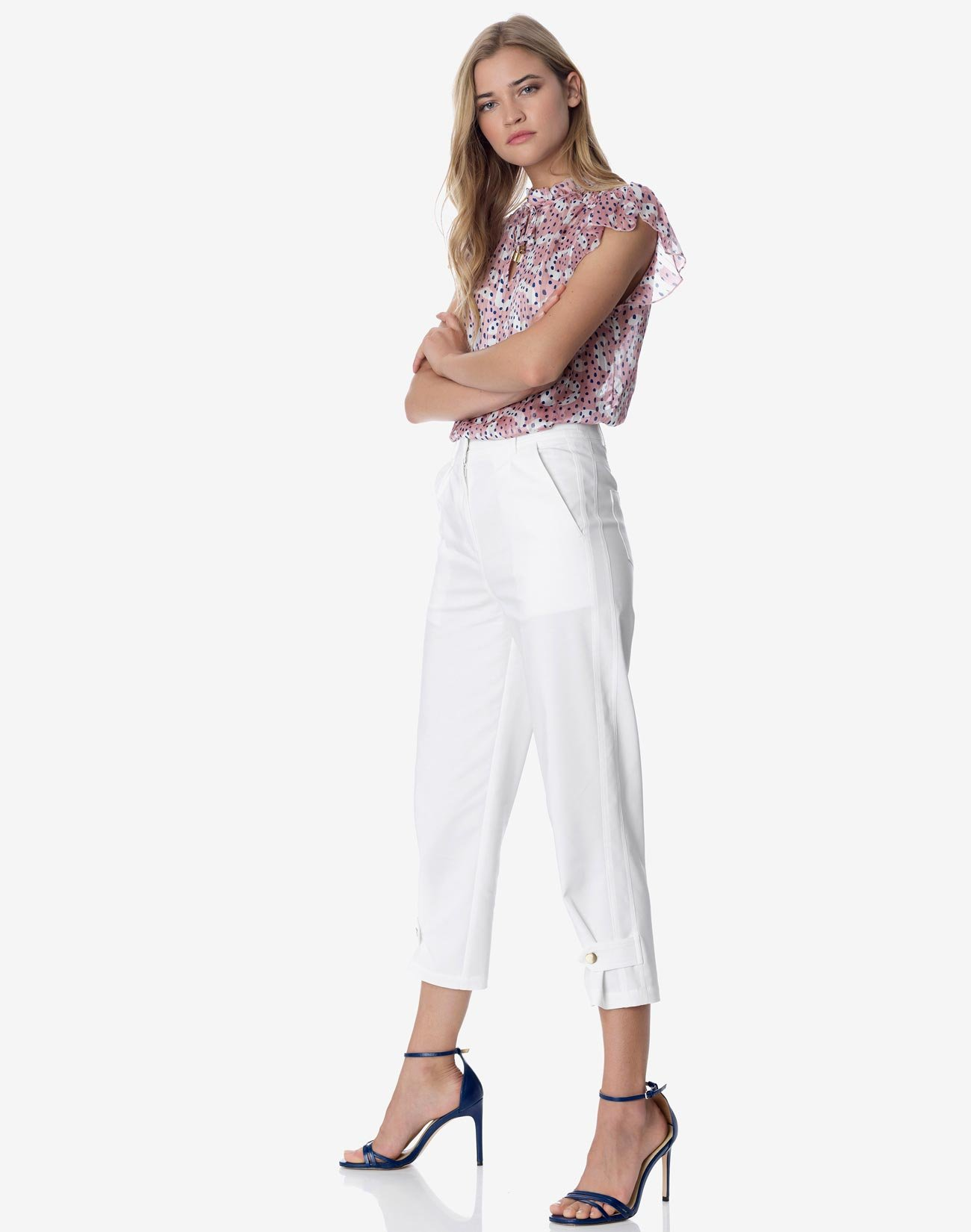High-waist pleated trousers
