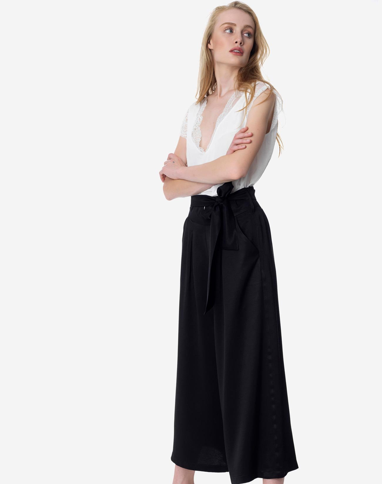 Culotte pleated trousers