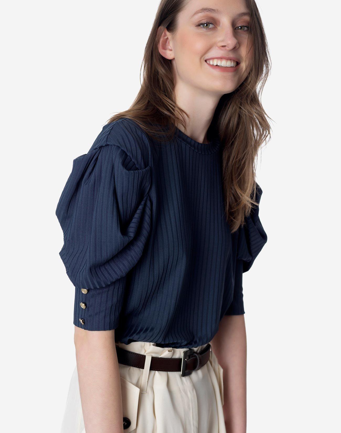 Μπλούζα με πιέτες στο μανίκι