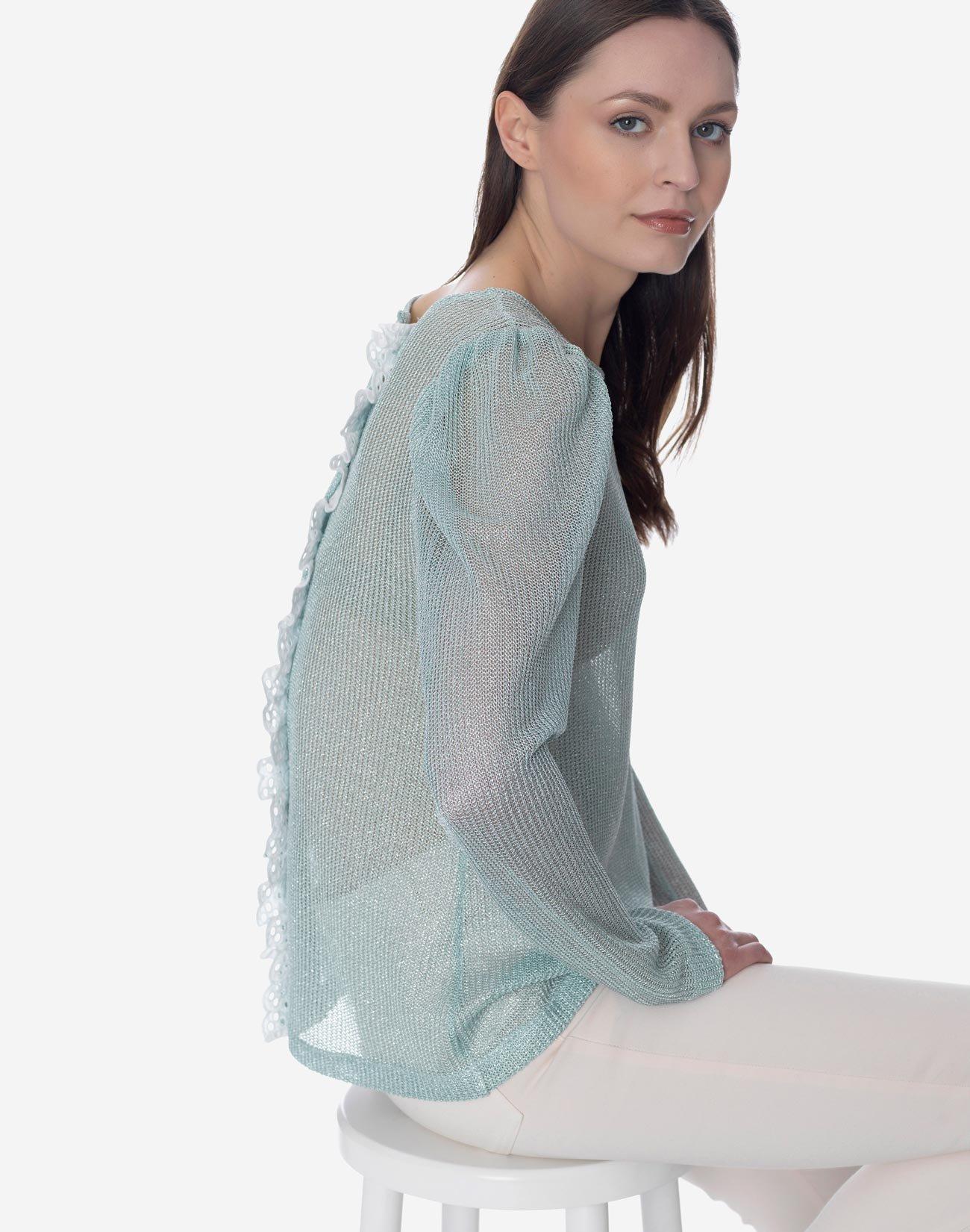Ημιδιάφανη μπλούζα με δαντέλα