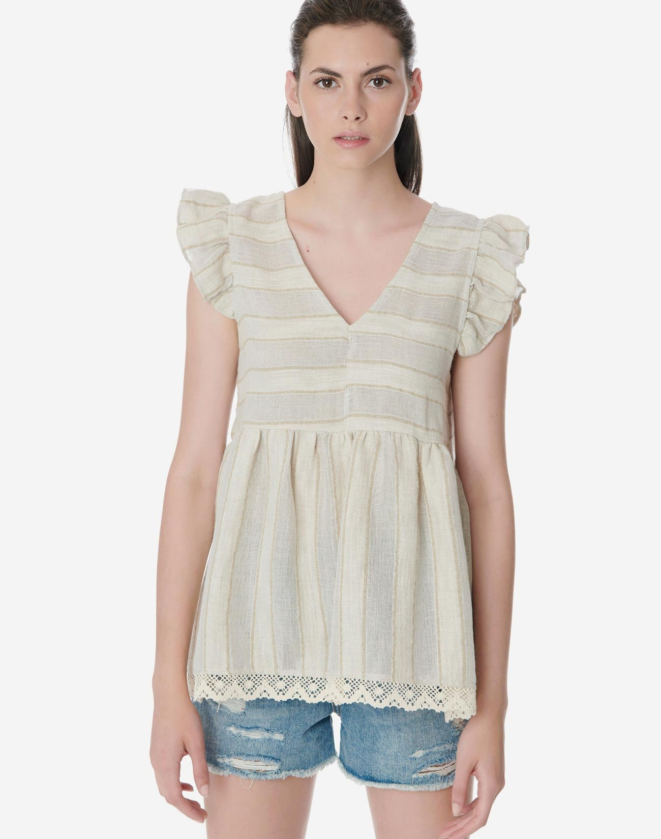 Ruffle top with lace hem