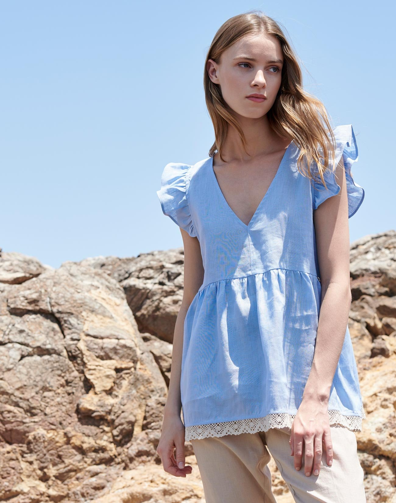 Linen top with lace