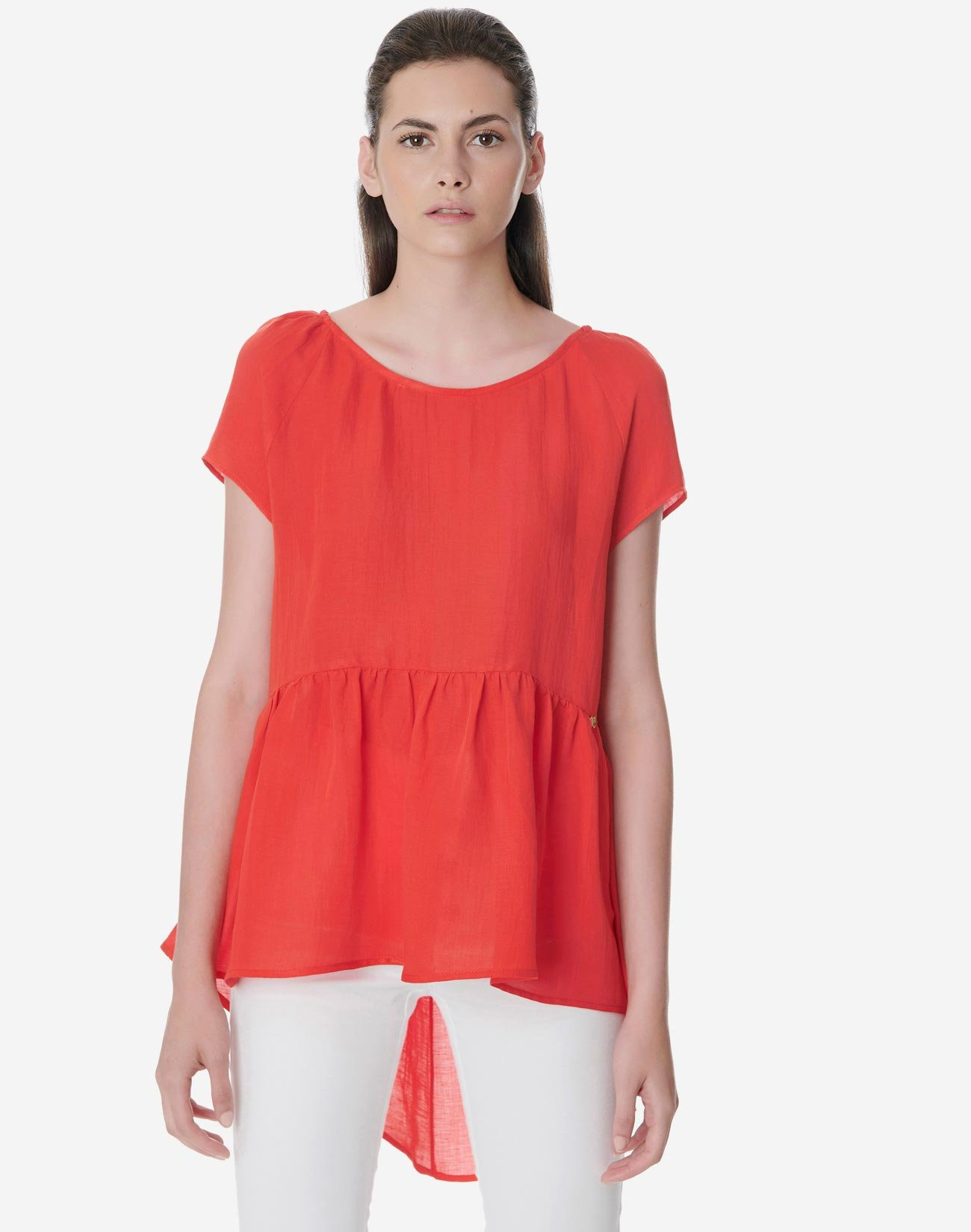 Asymmetric top with bow