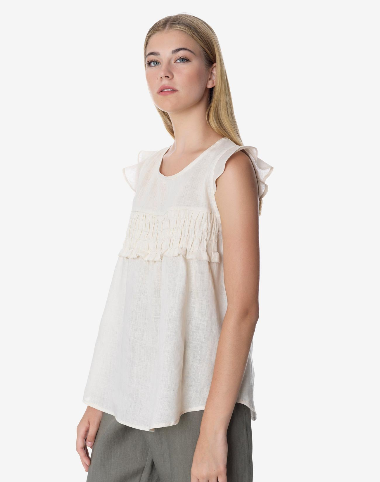 Linen top with gathering
