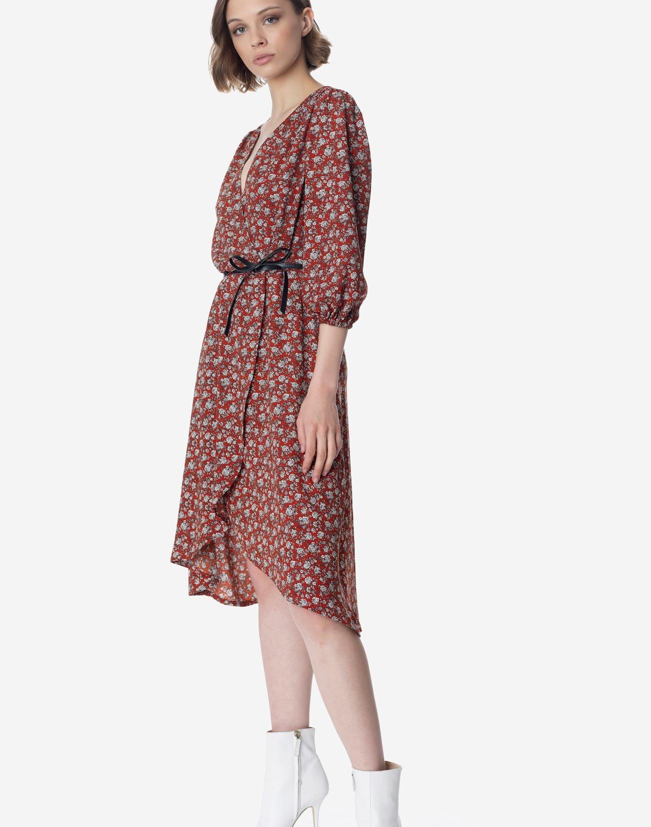 Εμπριμέ κρουαζέ φόρεμα