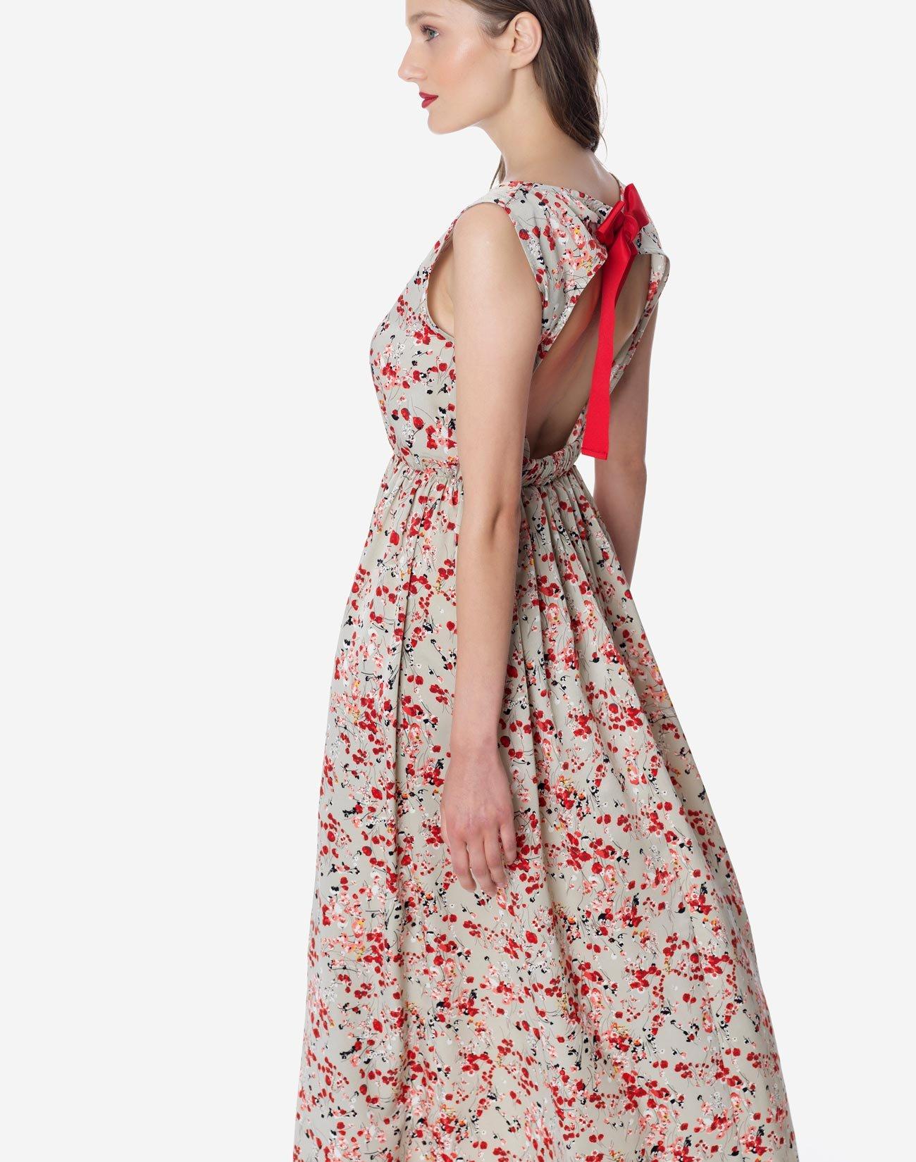 Μάξι φόρεμα με ανοιχτή πλάτη