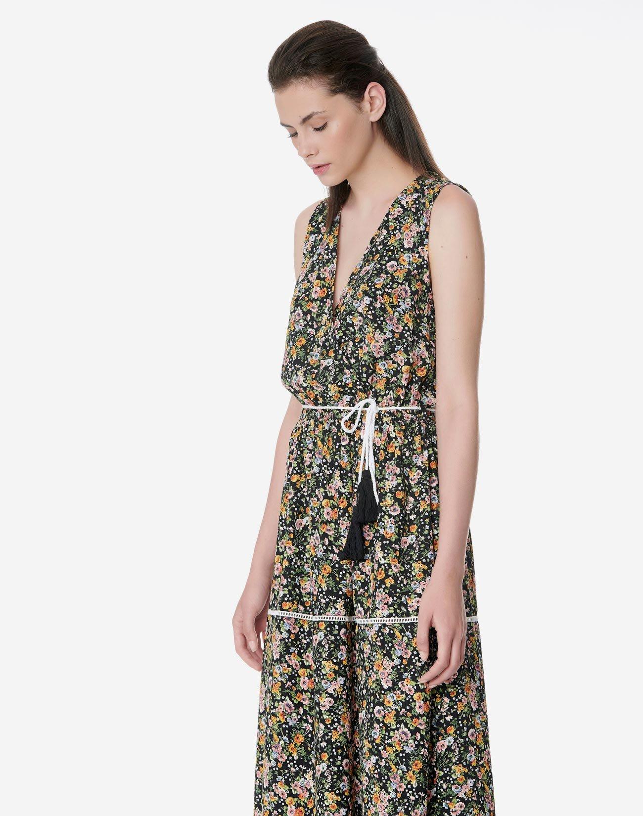 Λουλουδάτο κρουαζέ μάξι φόρεμα