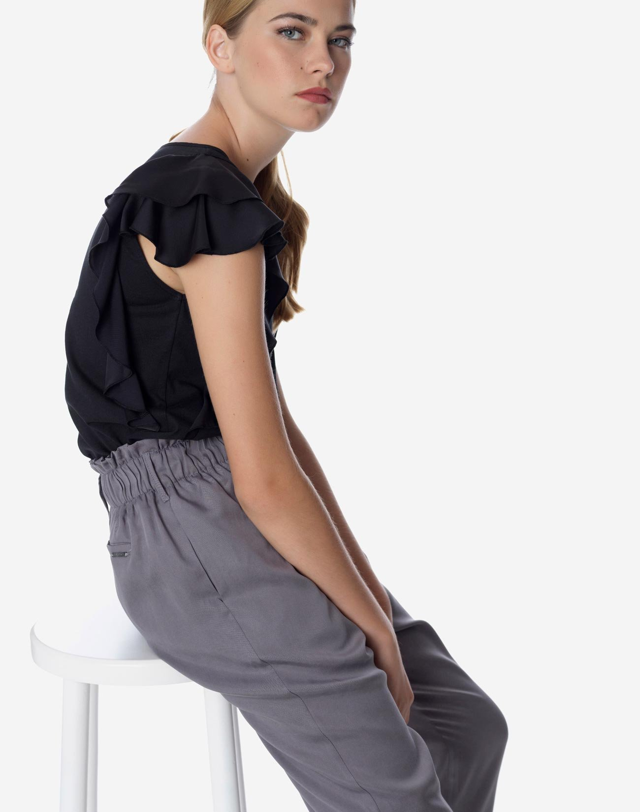 Trousers with elastic waist