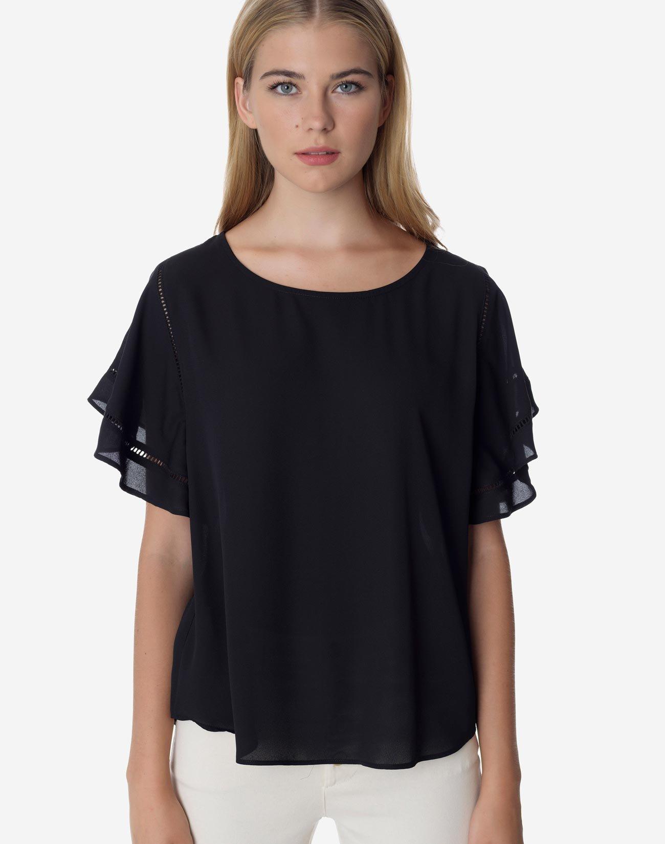Μπλούζα με δαντελωτές λεπτομέρειες