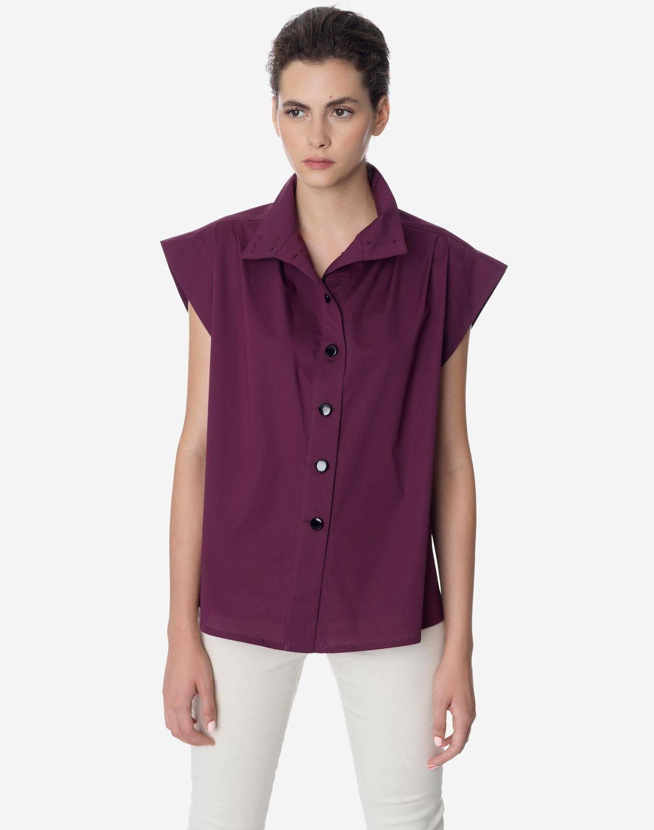 Shirt with high neck