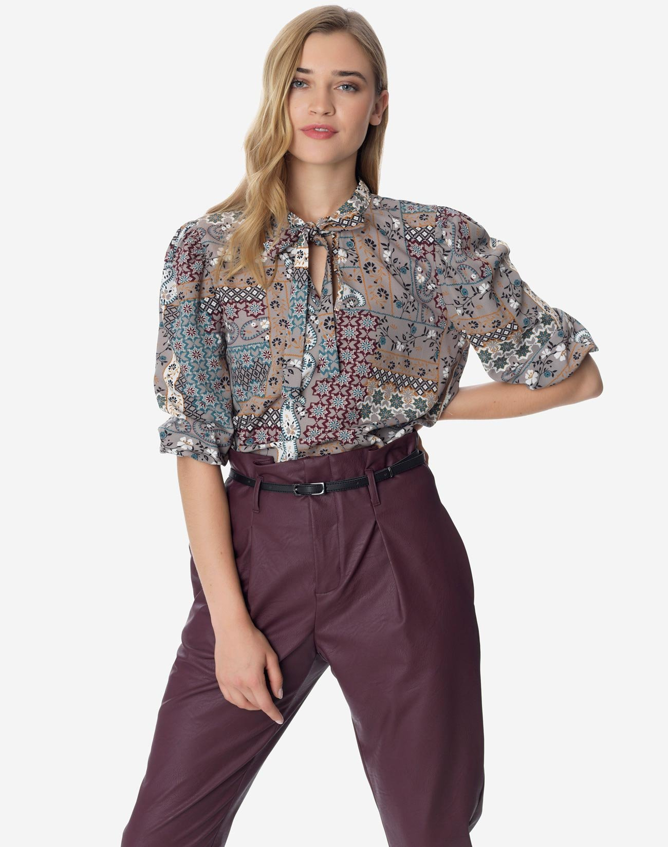 Printed top with self tie