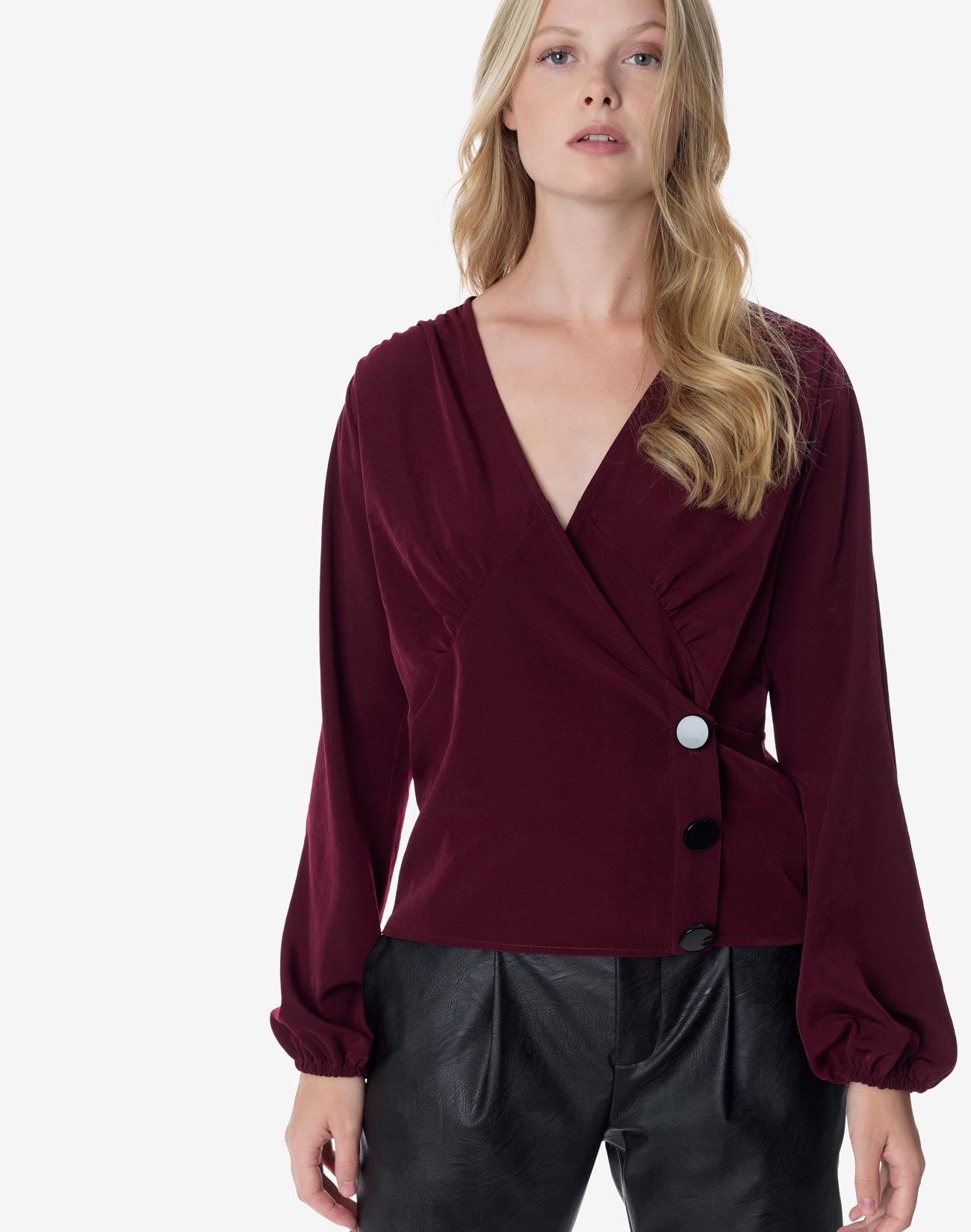 Wrap top with buttons