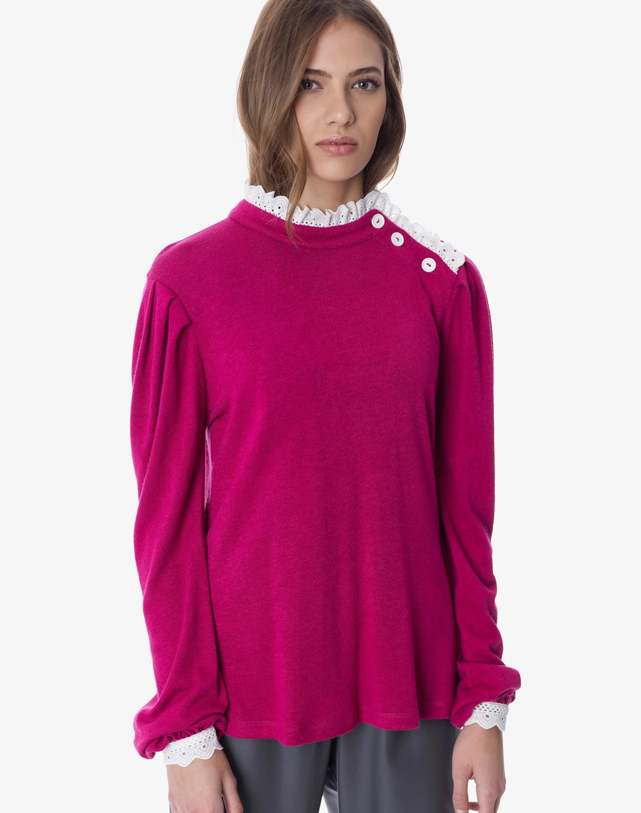Μπλούζα με κουμπιά και ασπροκέντημα
