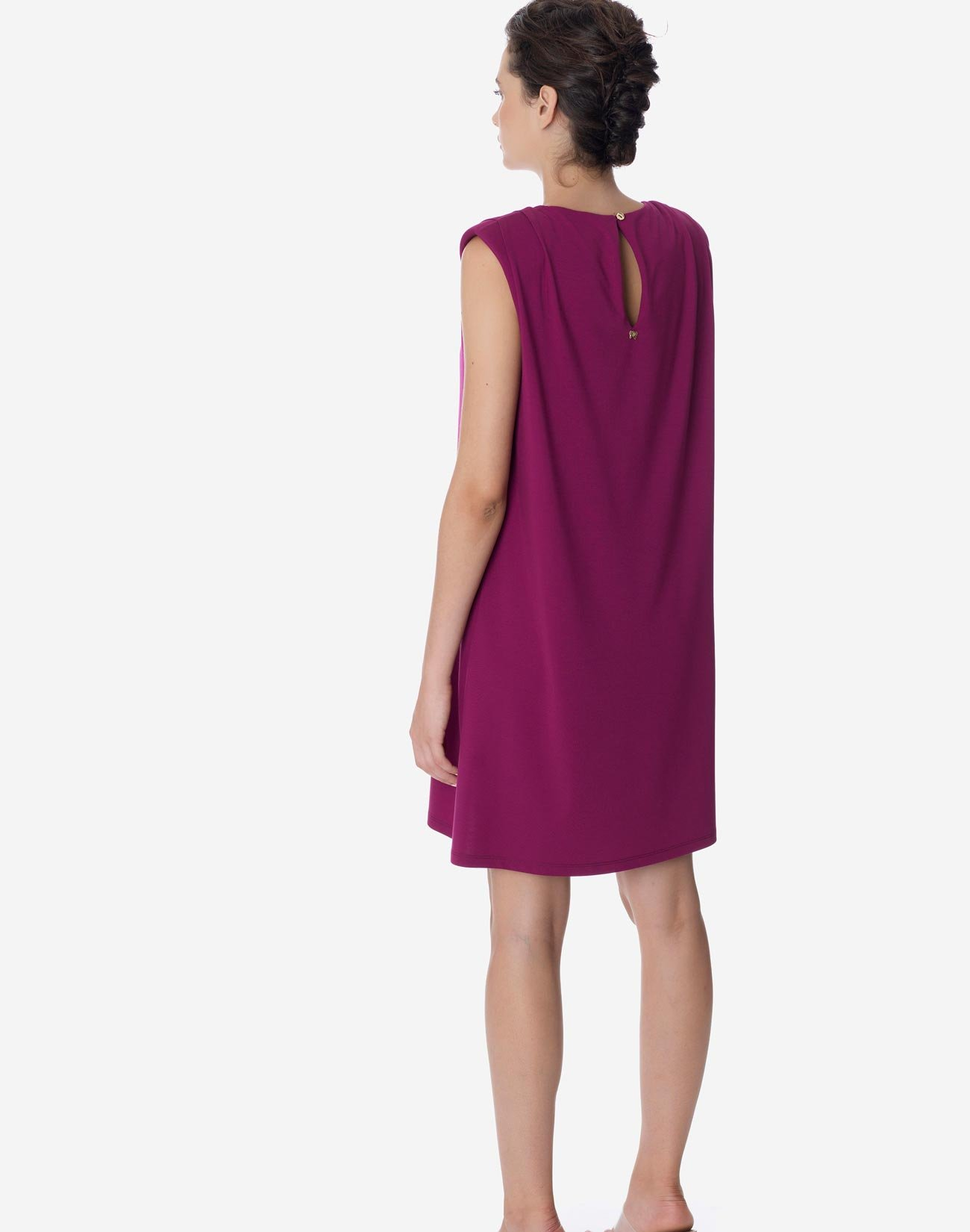 Dress with with shoulder pads