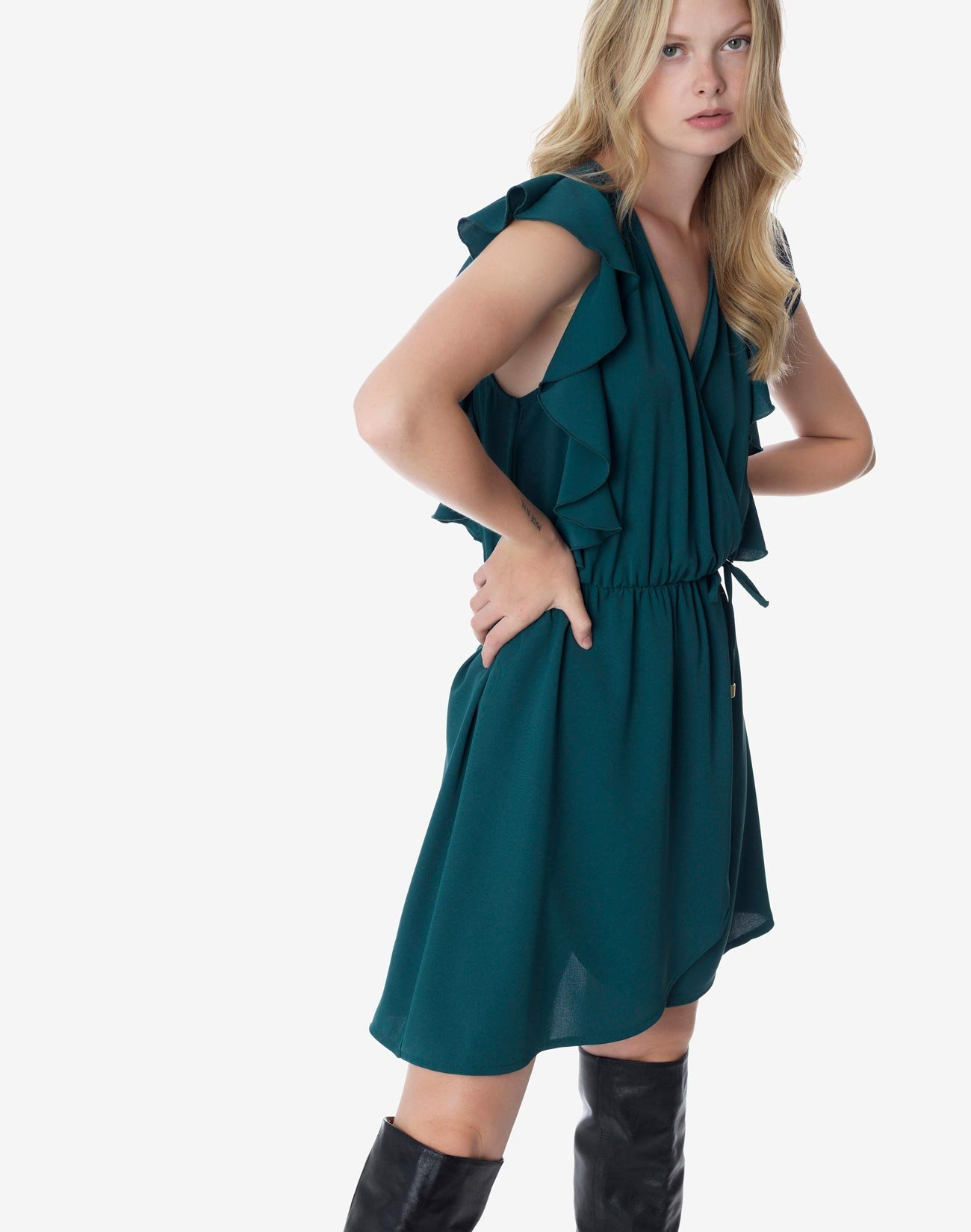 Κρουαζέ φόρεμα με βολάν