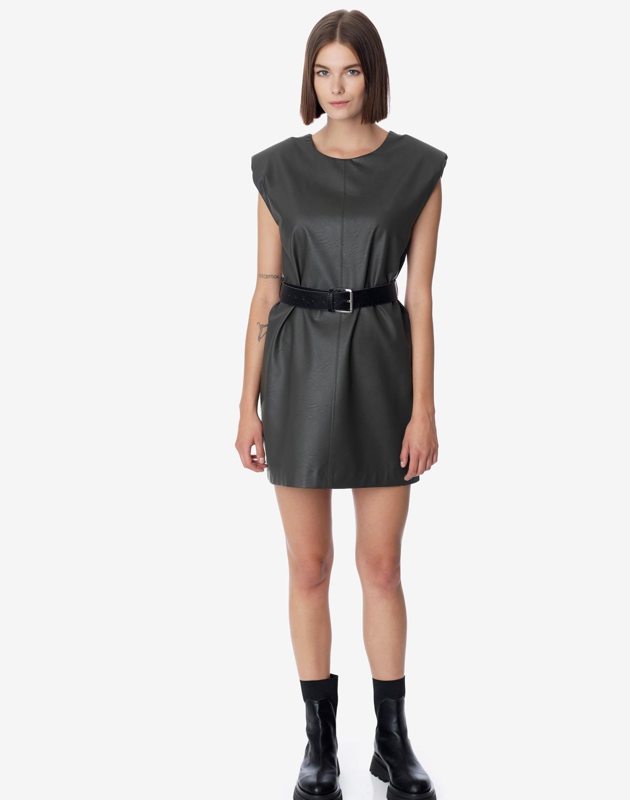 Μίνι φόρεμα δερματίνης με ζώνη