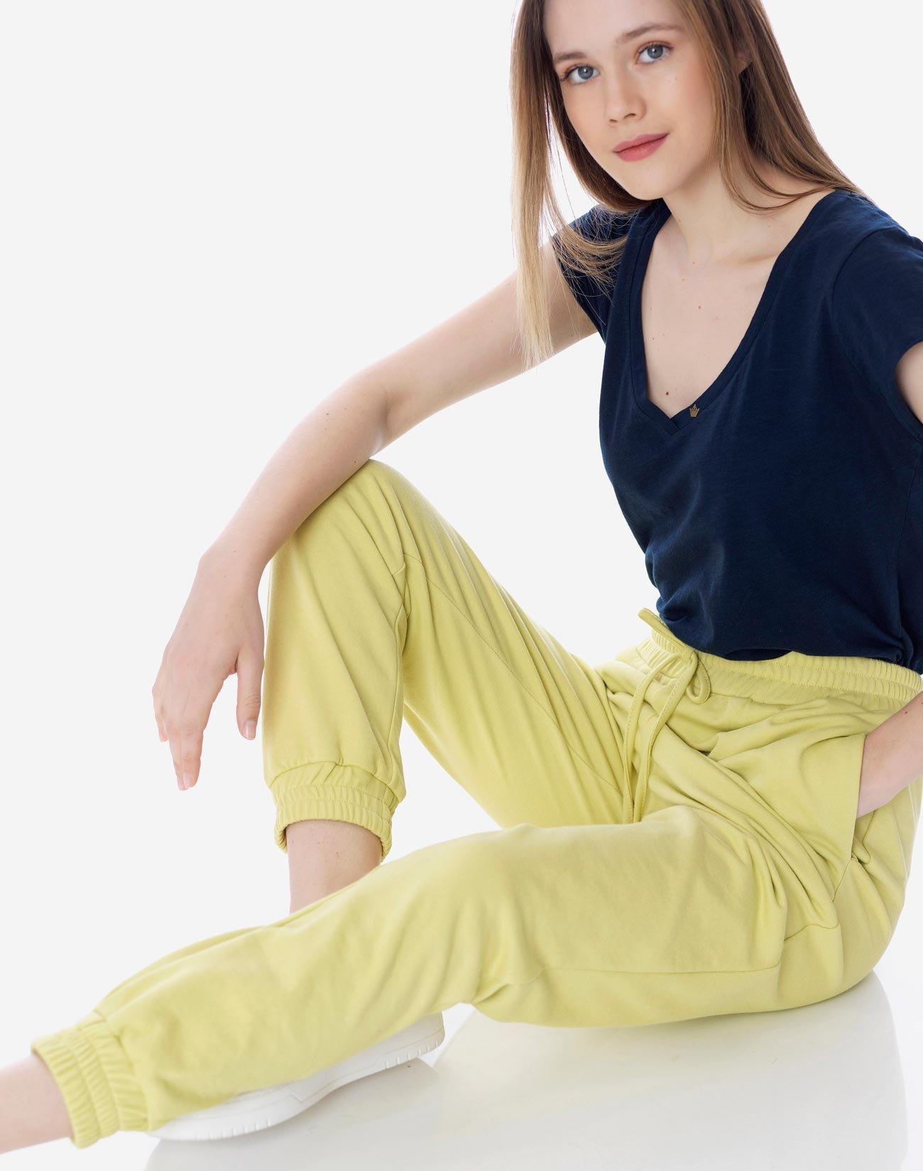 Sweatpants with elastic waist