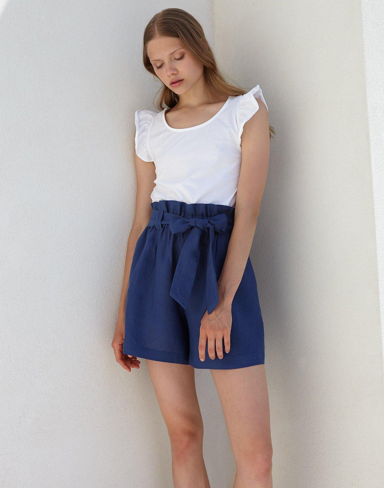Linen shorts with belt