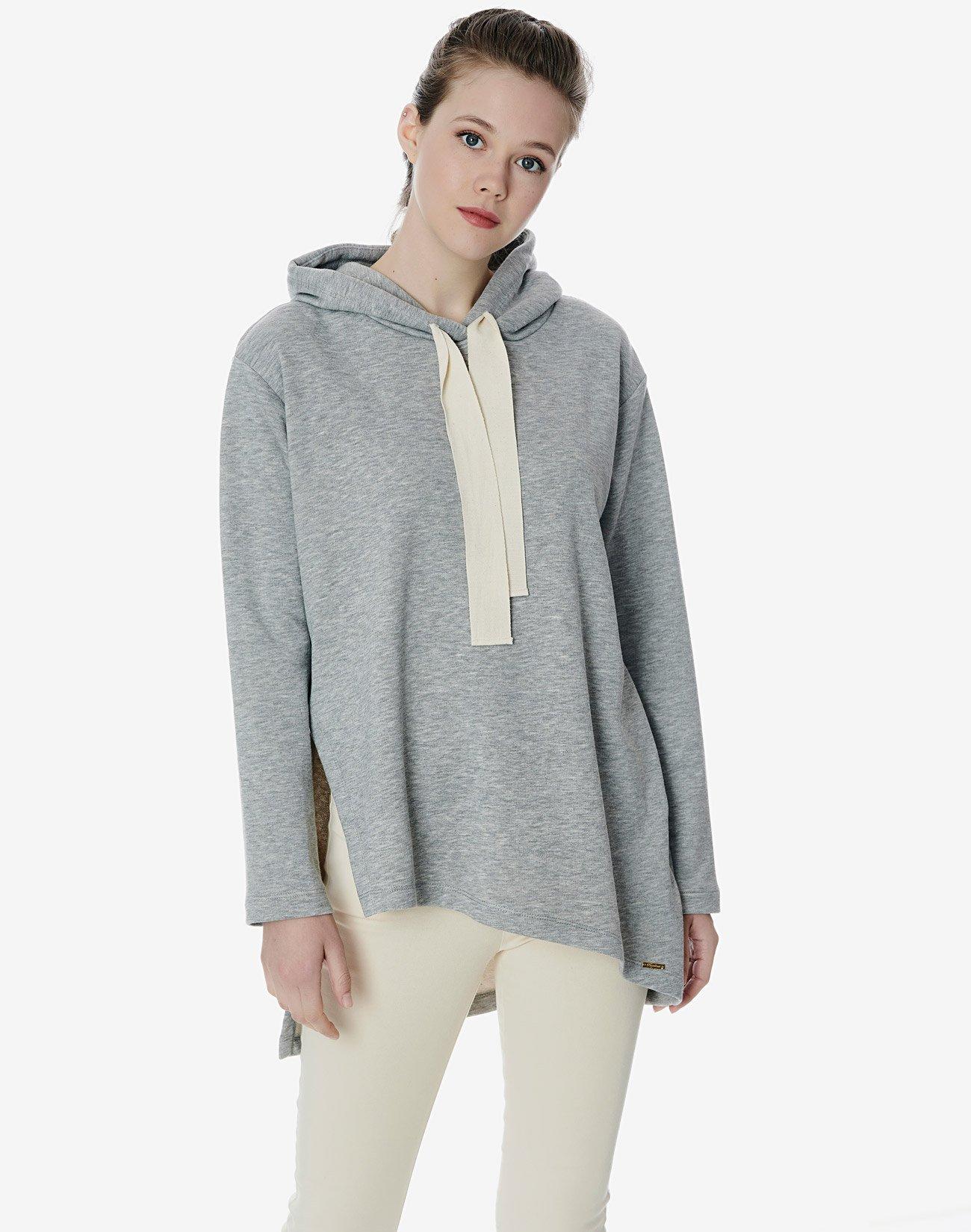 Asymmetric oversized sweatshirt