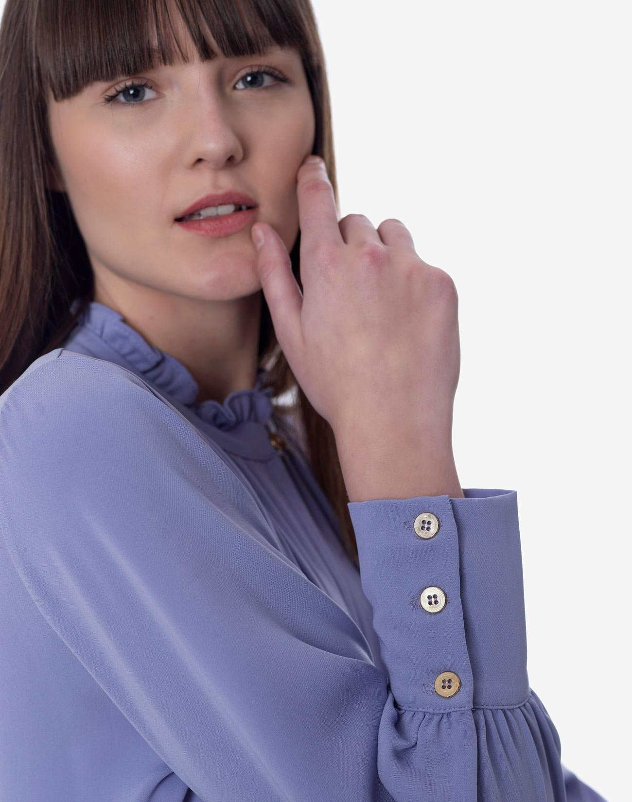 Blouse with ruffle collar