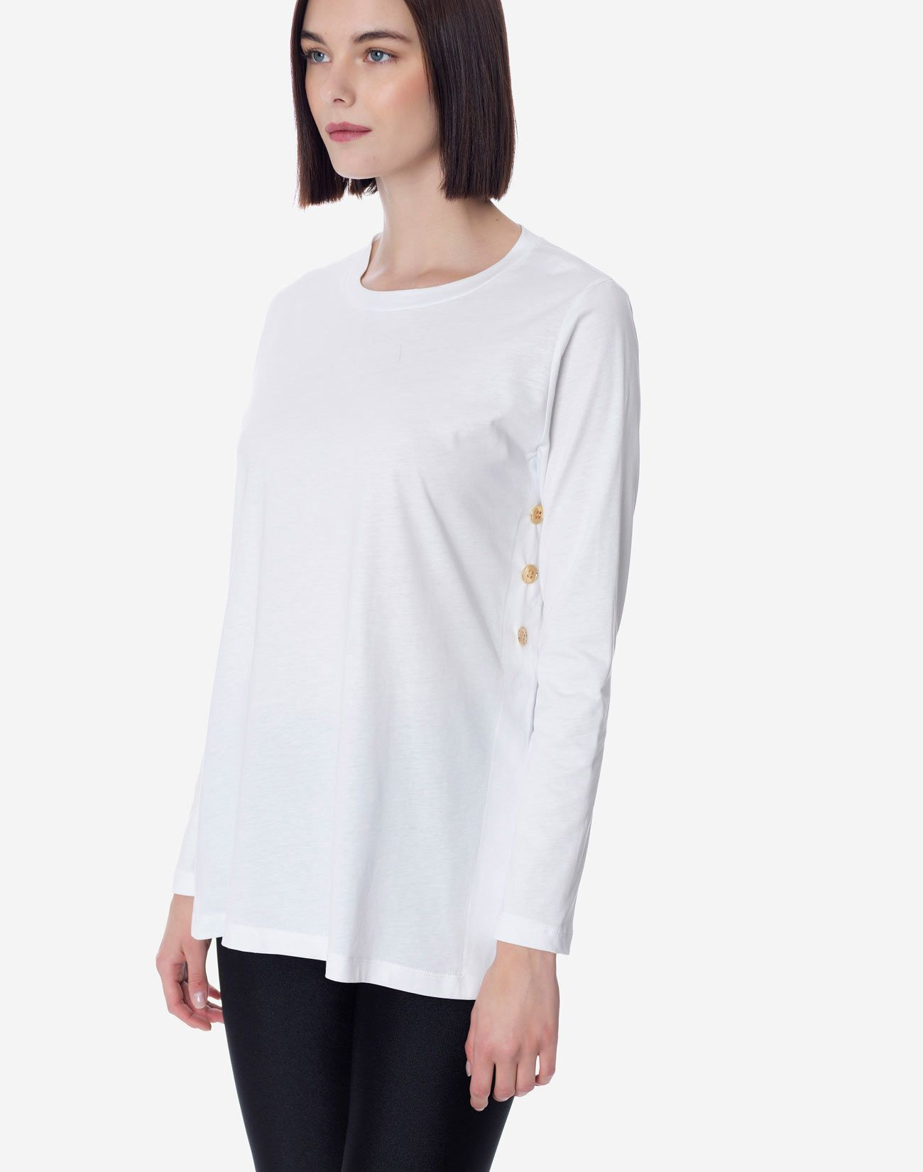Organic cotton top with buttons