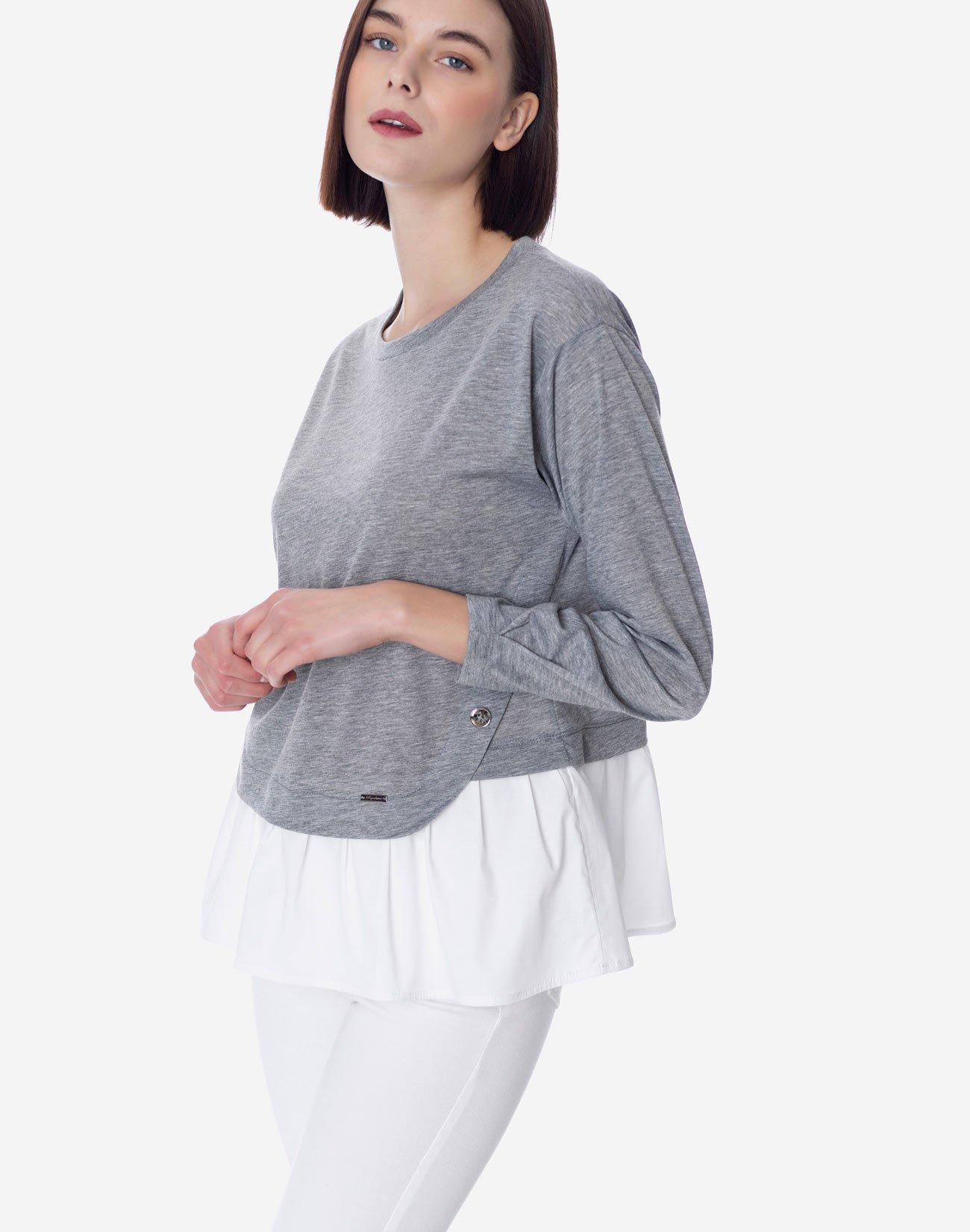 Μπλούζα σε συνδυασμό με βολάν