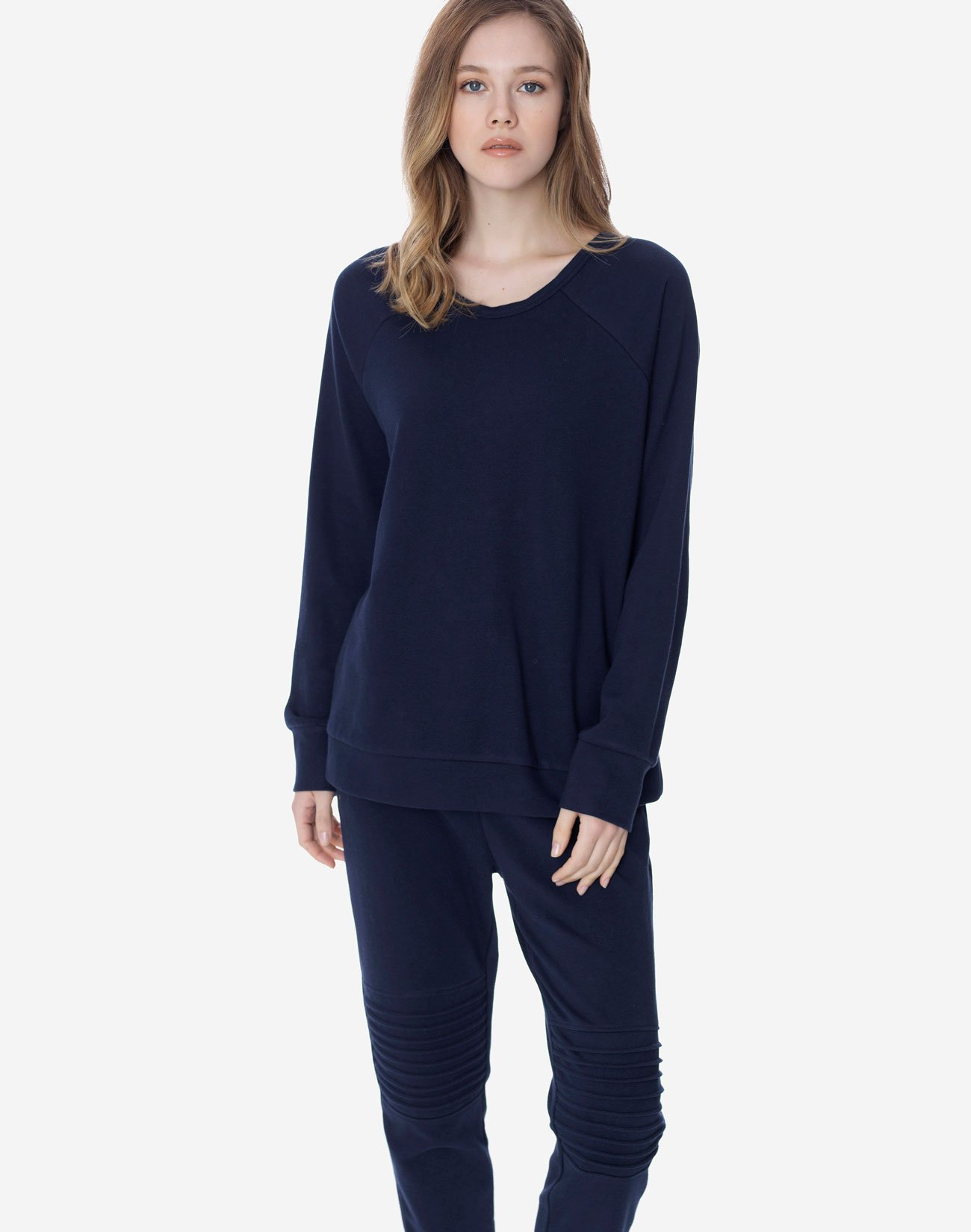 Sweatshirt with snap buttons