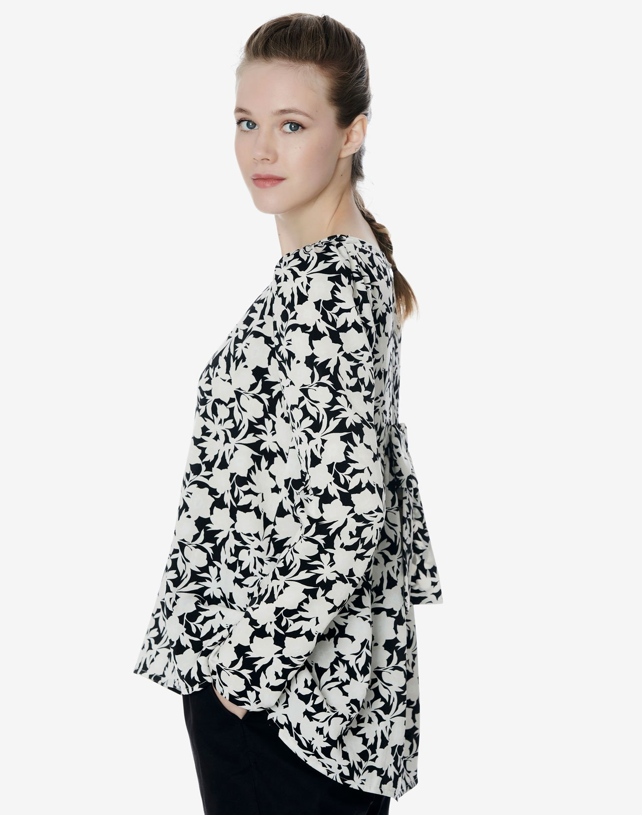 Printed blouse with bow