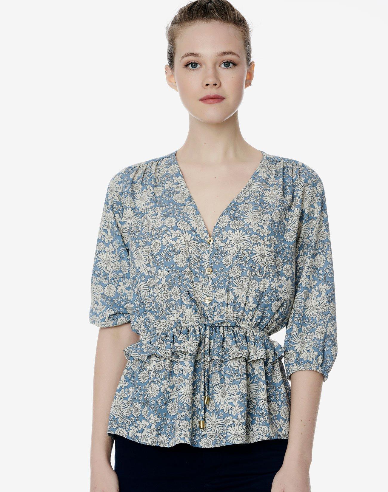 Φλοράλ μπλούζα με σούρα στη μέση