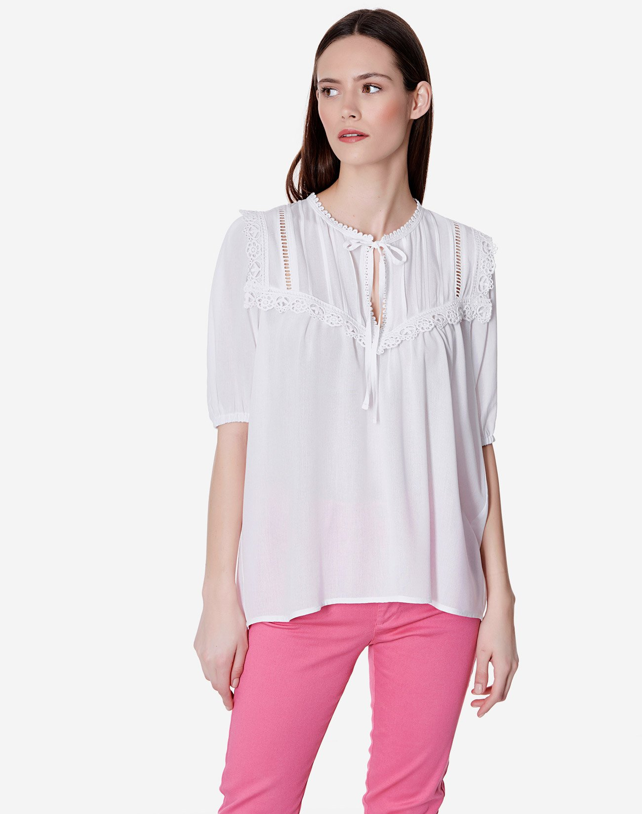 Μπλούζα από βισκόζη Ecovero με δαντέλα