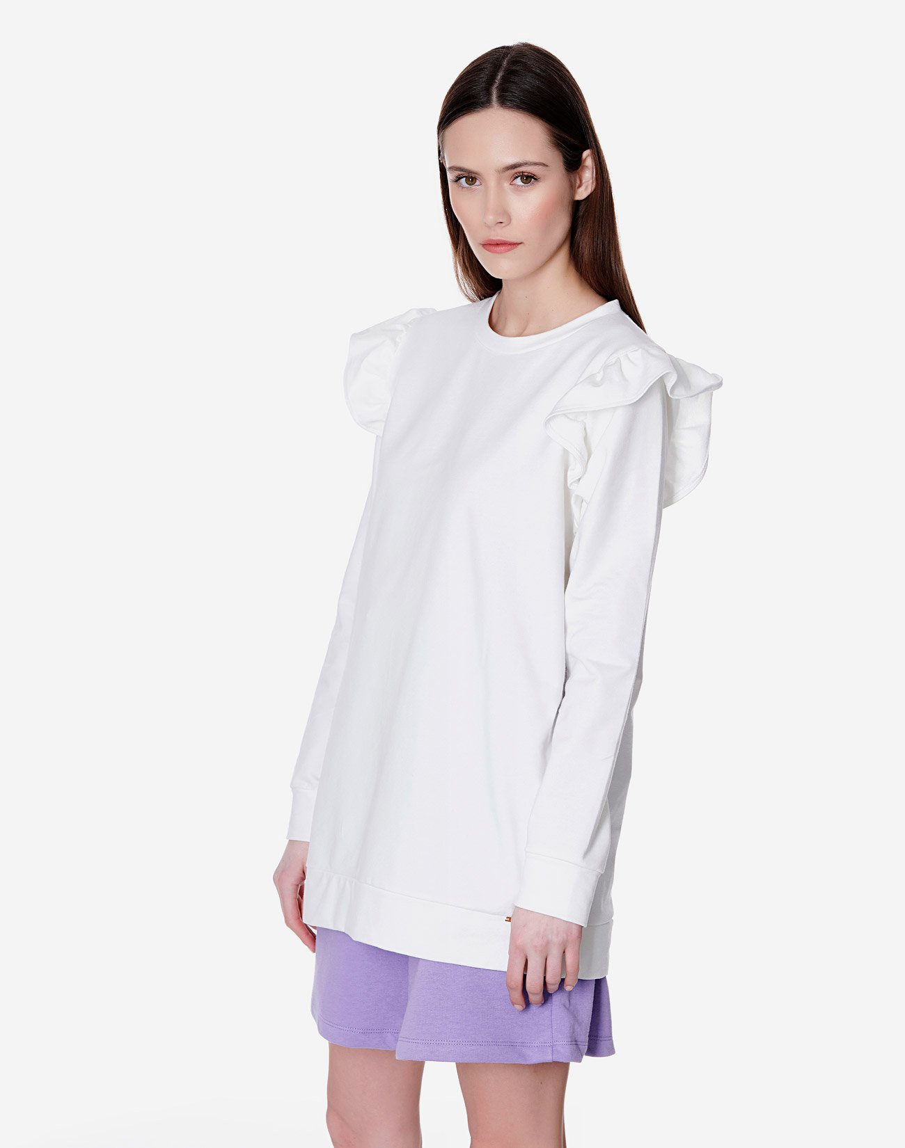 Sweatshirt with ruffles