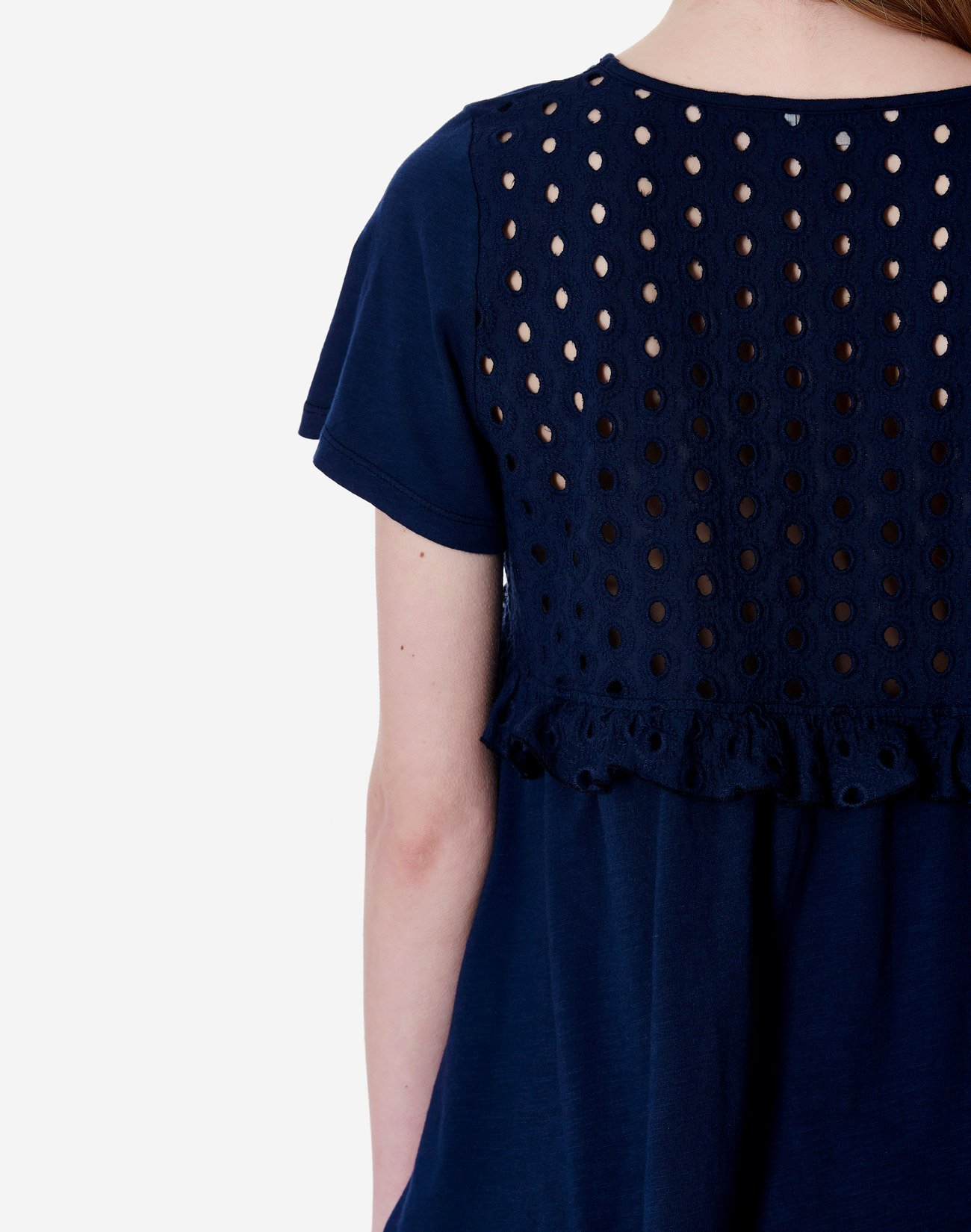 Μπλούζα με διάτρητο σχέδιο