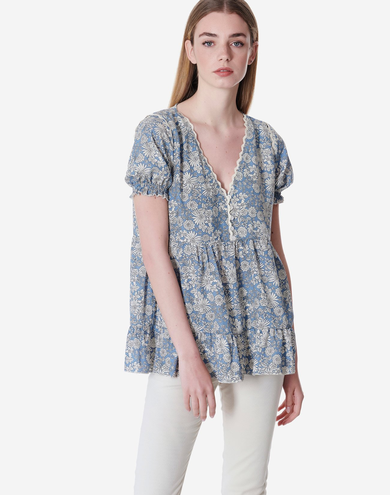 Printed top with buttons