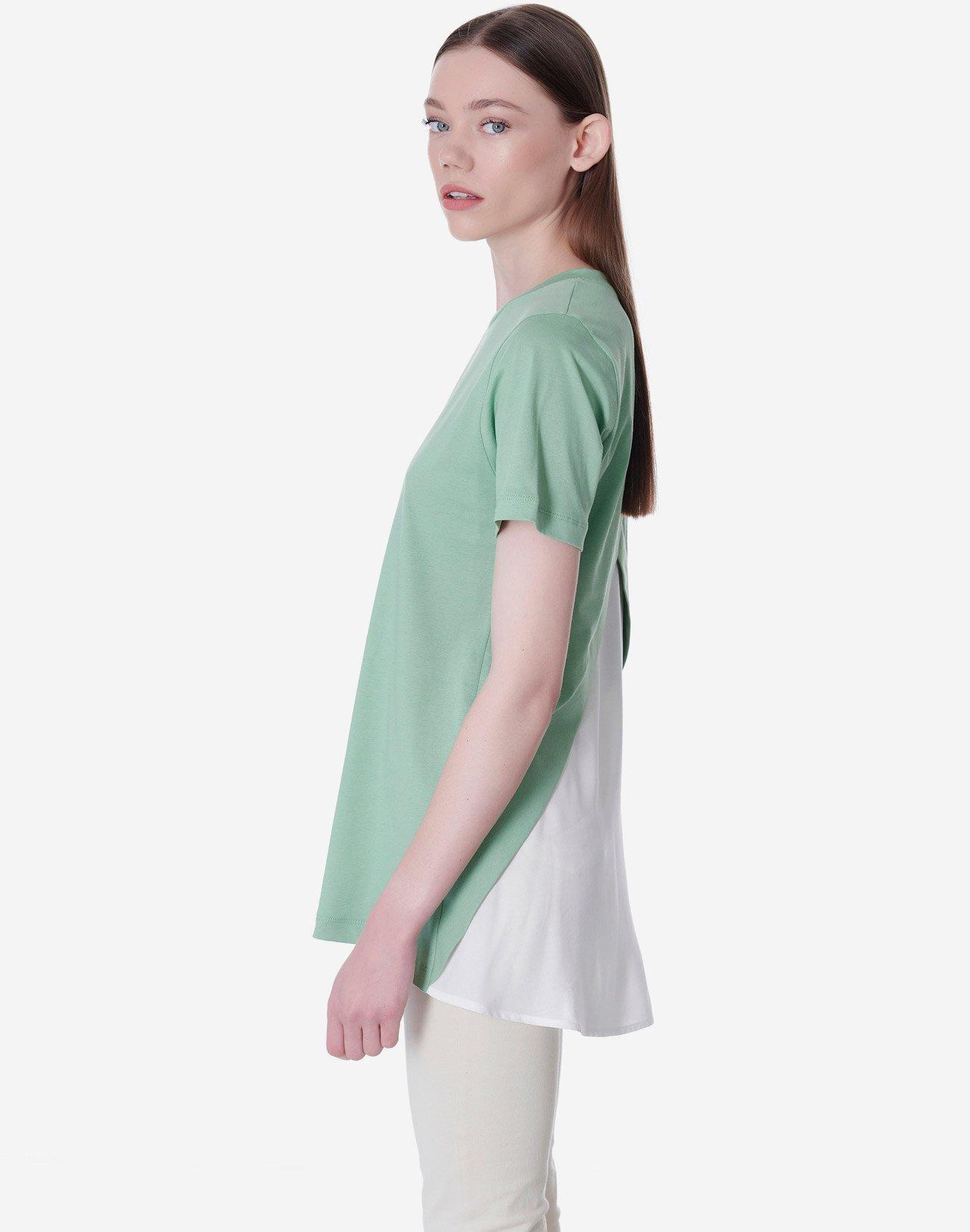 T-shirt σε συνδυασμό