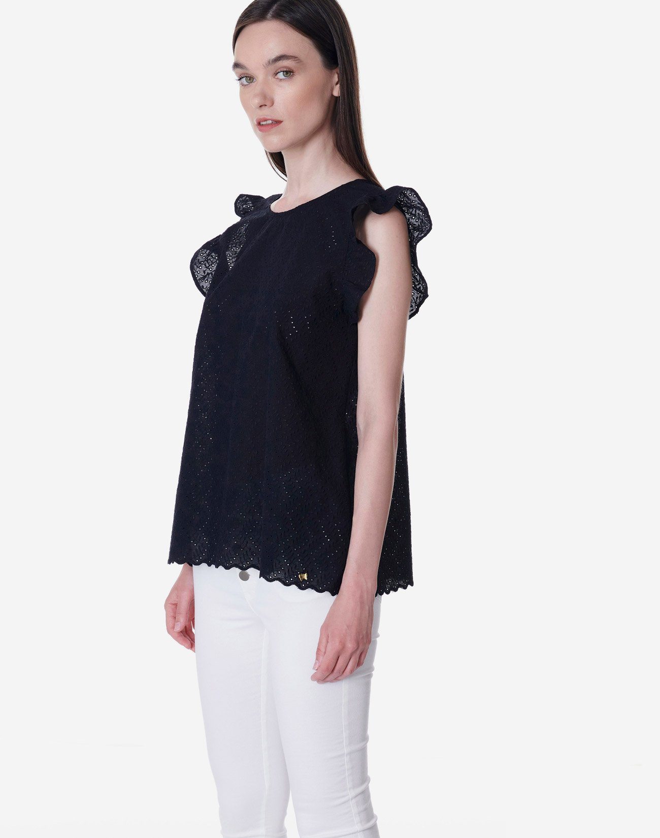 Broderie top with buttons