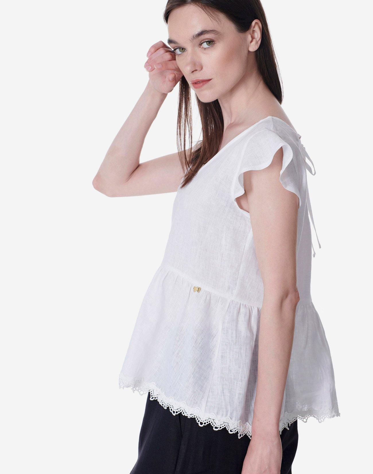 Λινή μπλούζα με δαντέλα