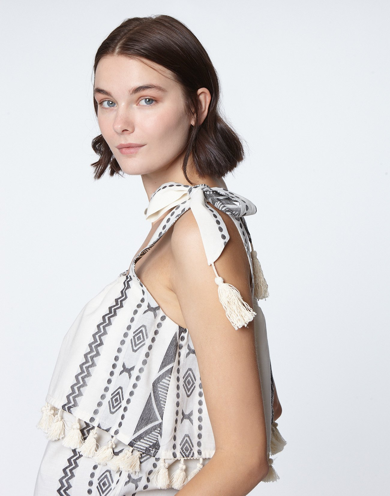 Jacquard top with tassels