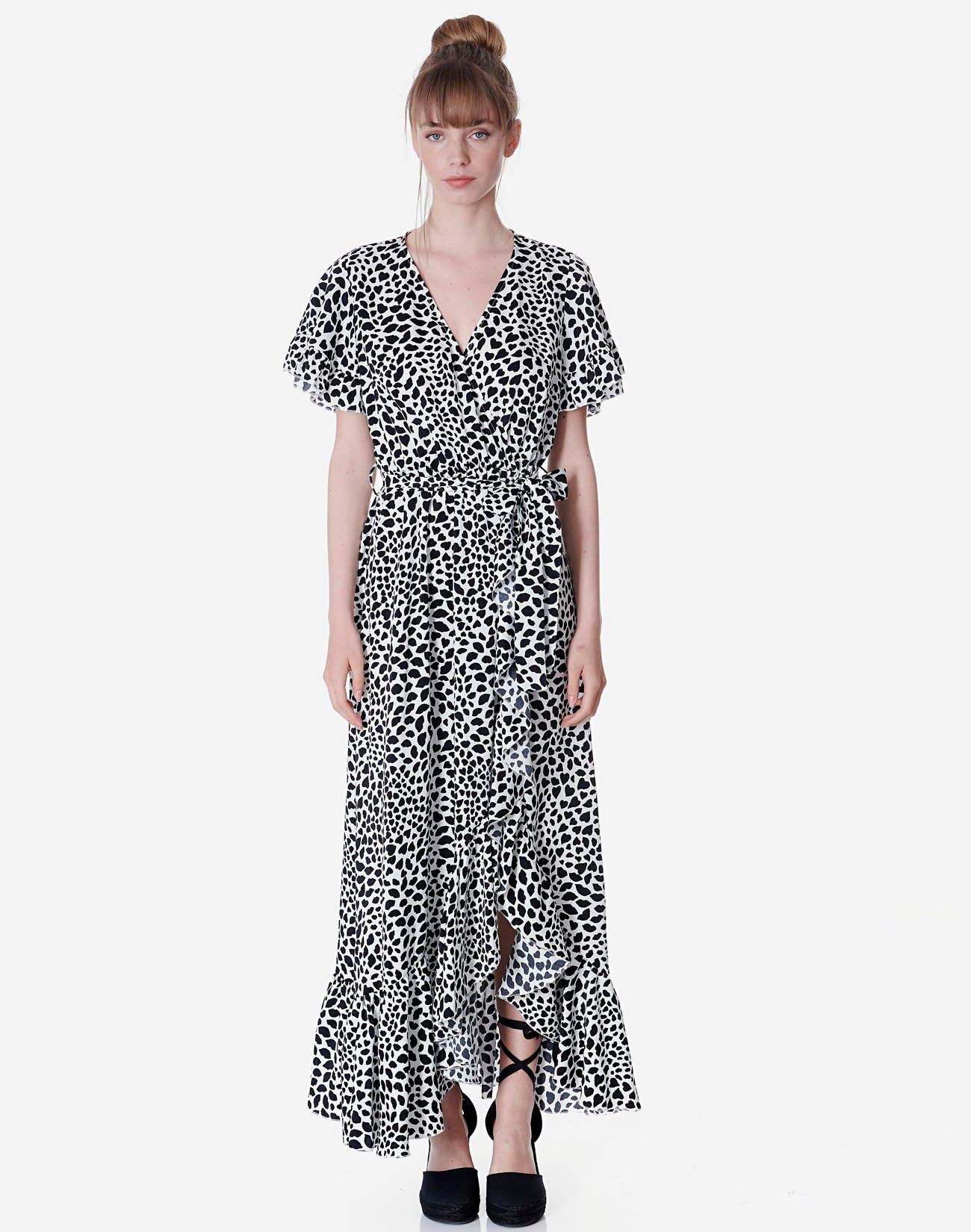 Printed dress with ruffles