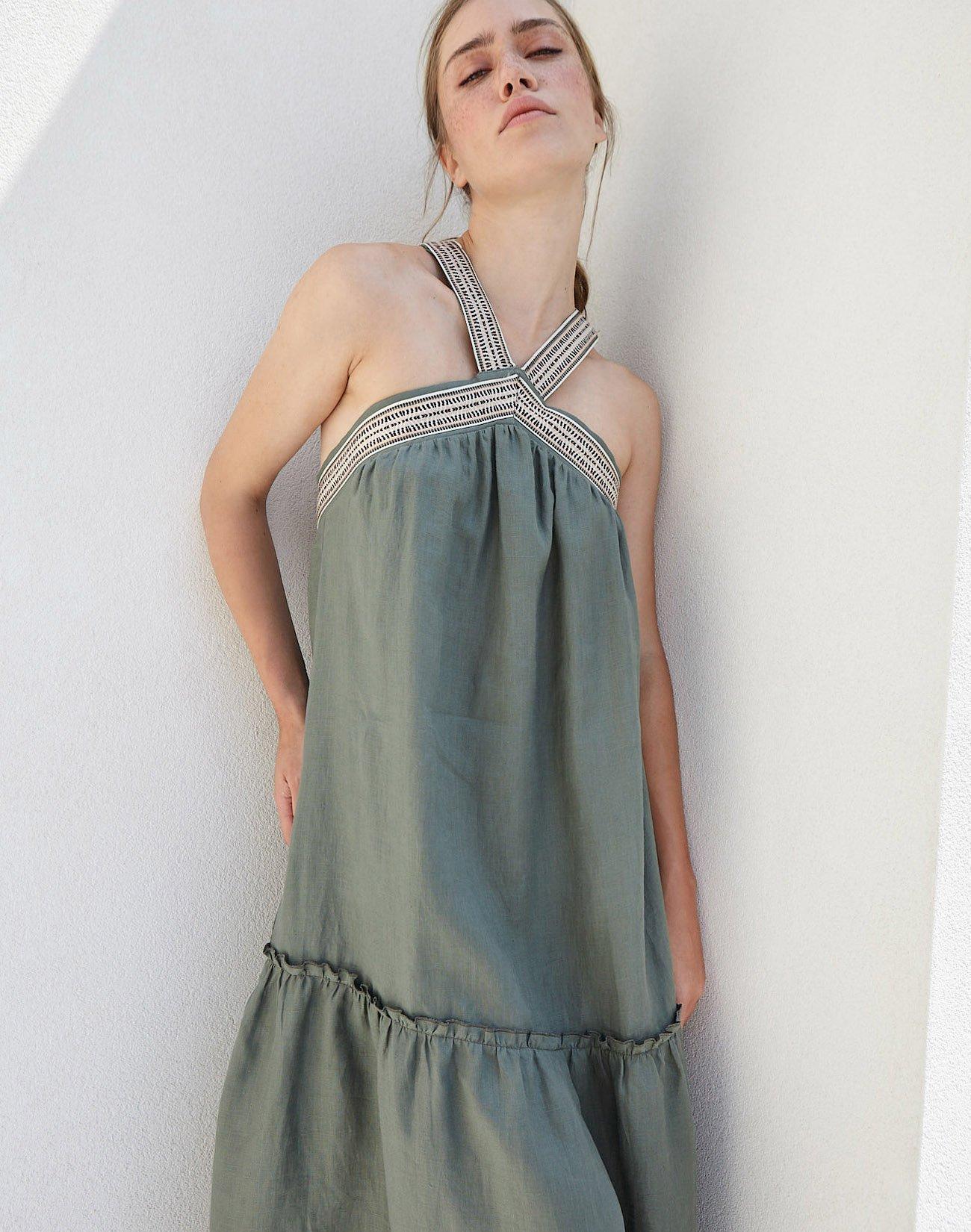 Λινό φόρεμα με χιαστί λεπτομέρεια