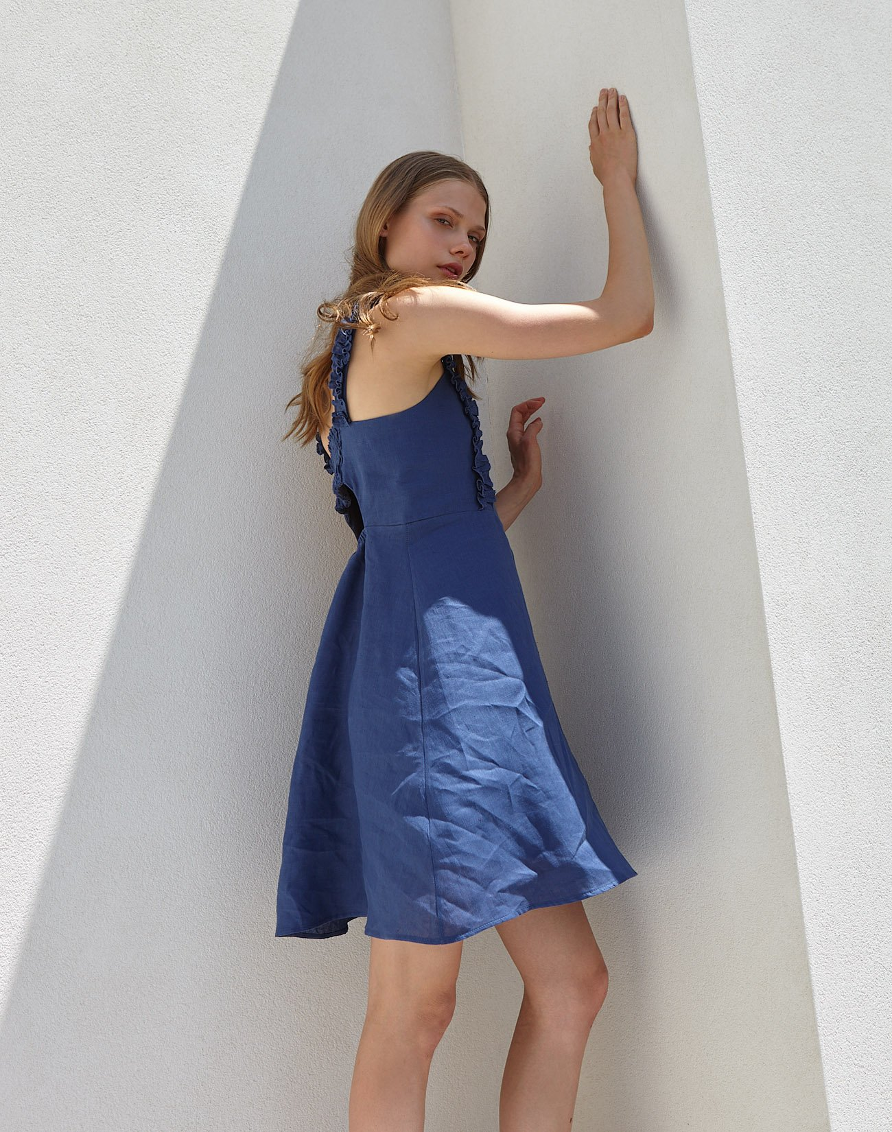 Linen dress with ruffles