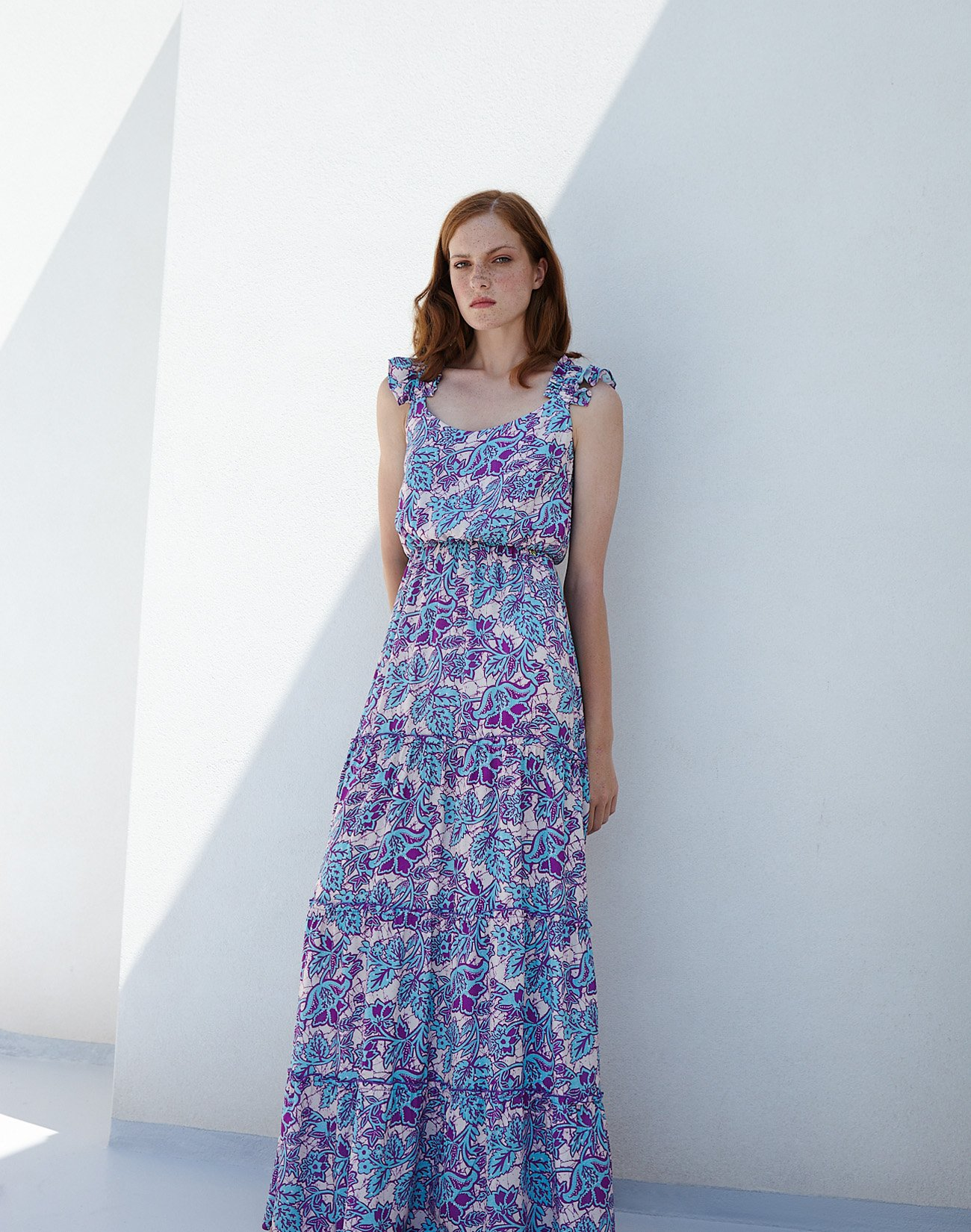 Maxi dress with ruffles and bow