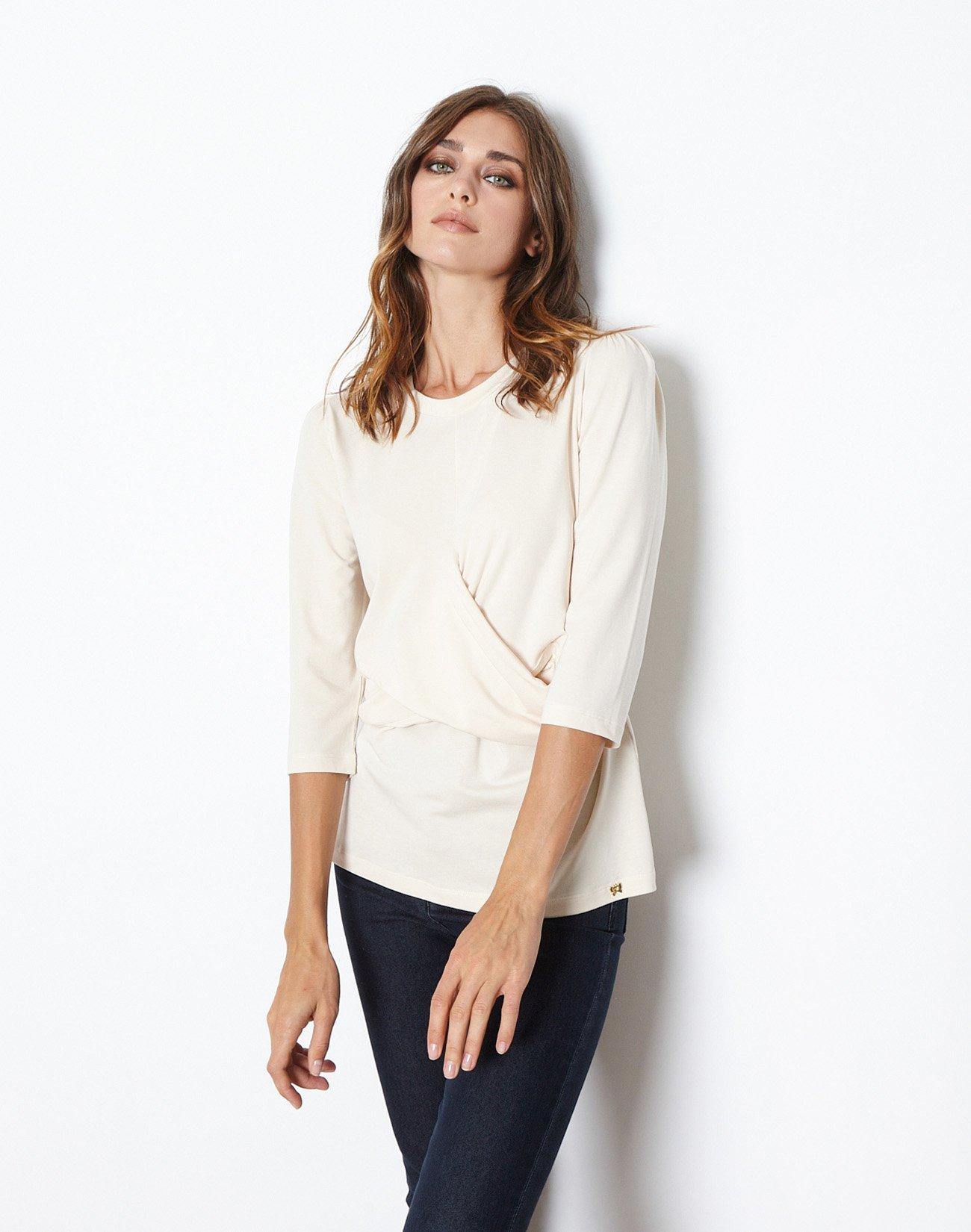 Μπλούζα με κρουαζέ λεπτομέρεια