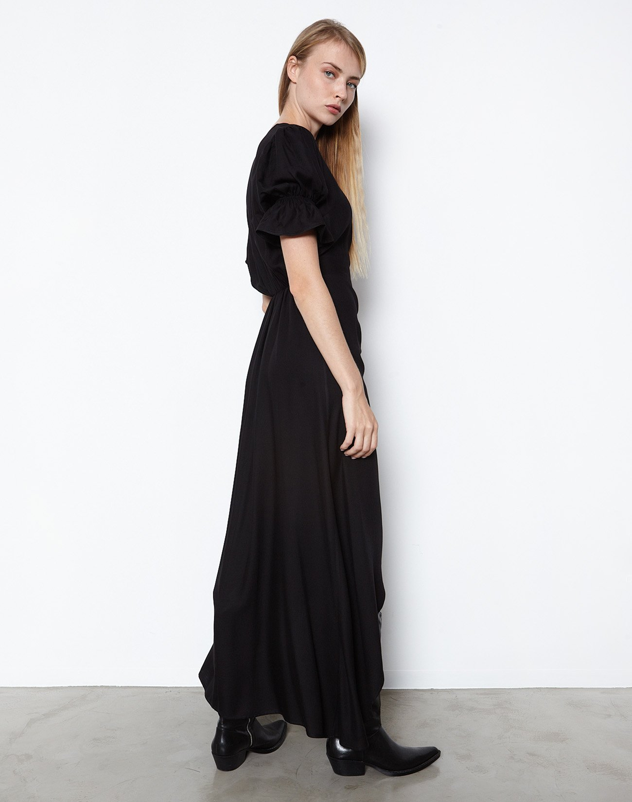 Μάξι φόρεμα με κουμπιά