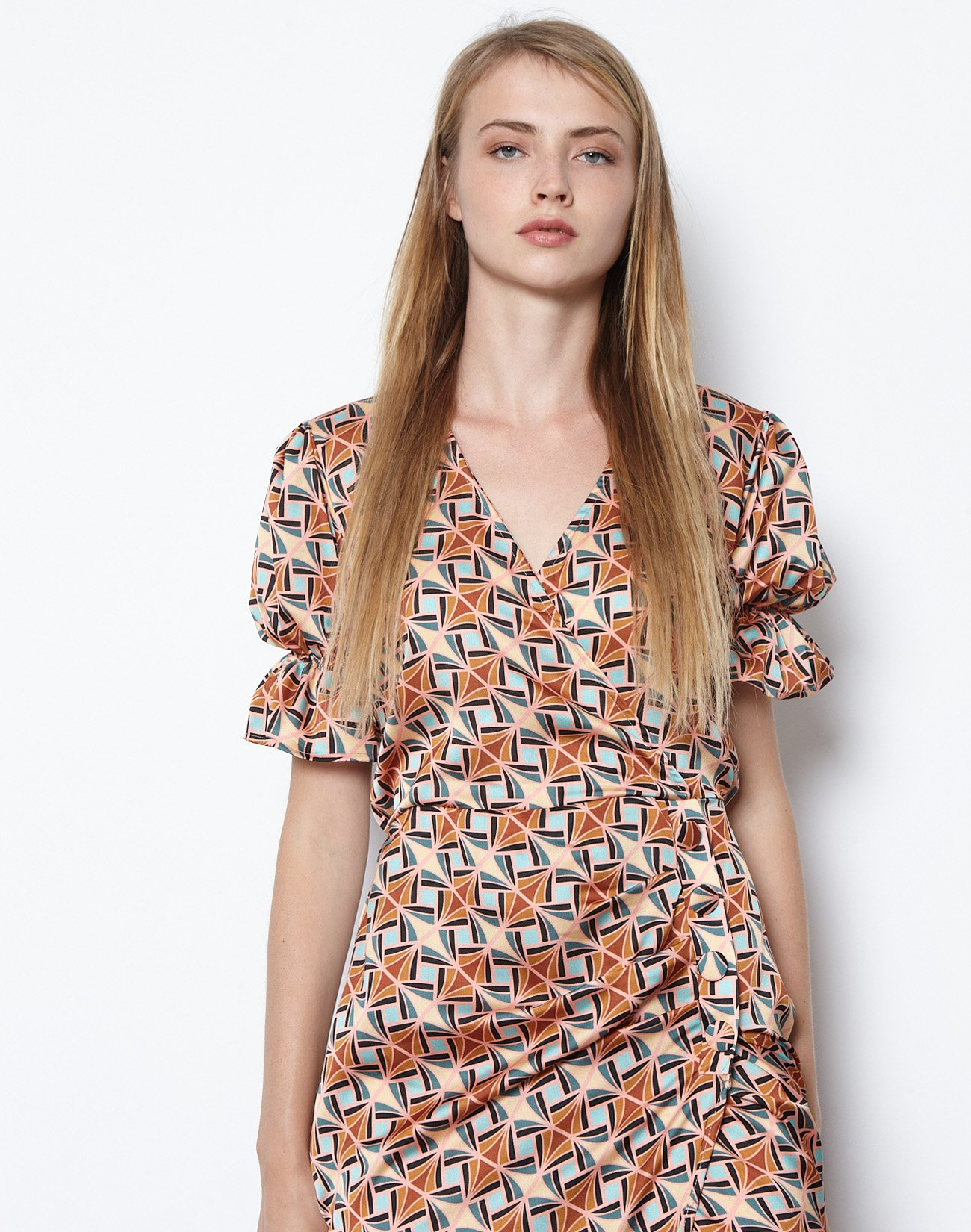 Εμπριμέ μάξι φόρεμα με κουμπιά