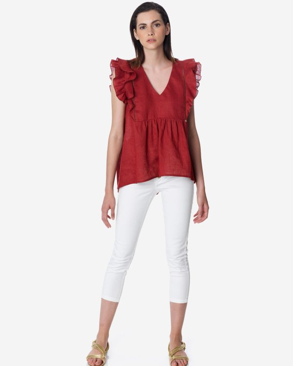 Asymmetric top with ruffles