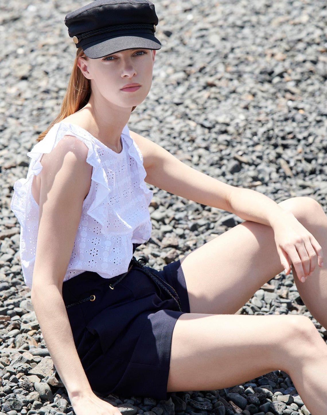 High-waist pleated shorts